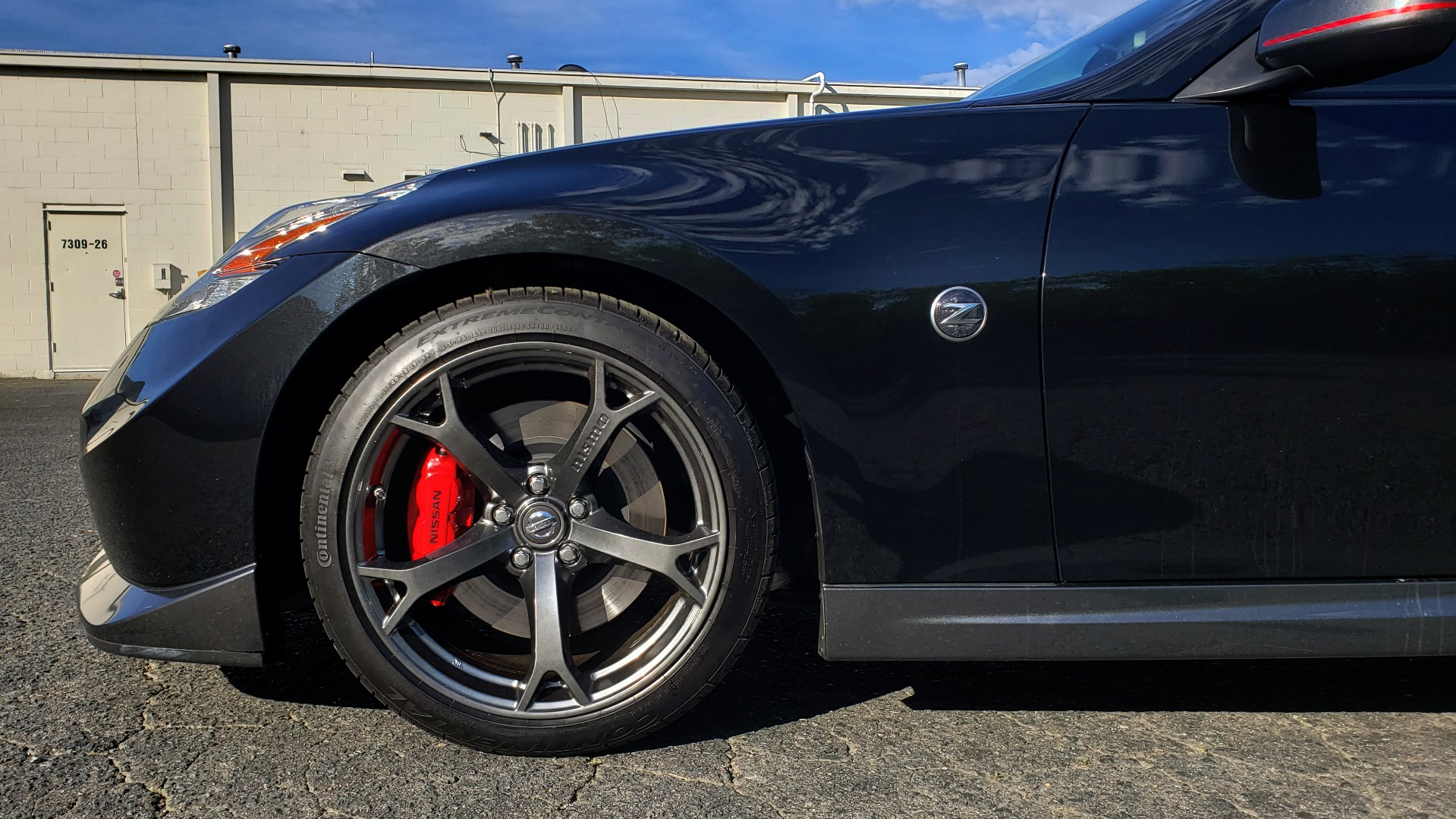 Used 2014 Nissan 370Z NISMO / 6-SPD MAN / BOSE / 6-DISC CHANGER / NISMO MATS / REARVIEW for sale Sold at Formula Imports in Charlotte NC 28227 5