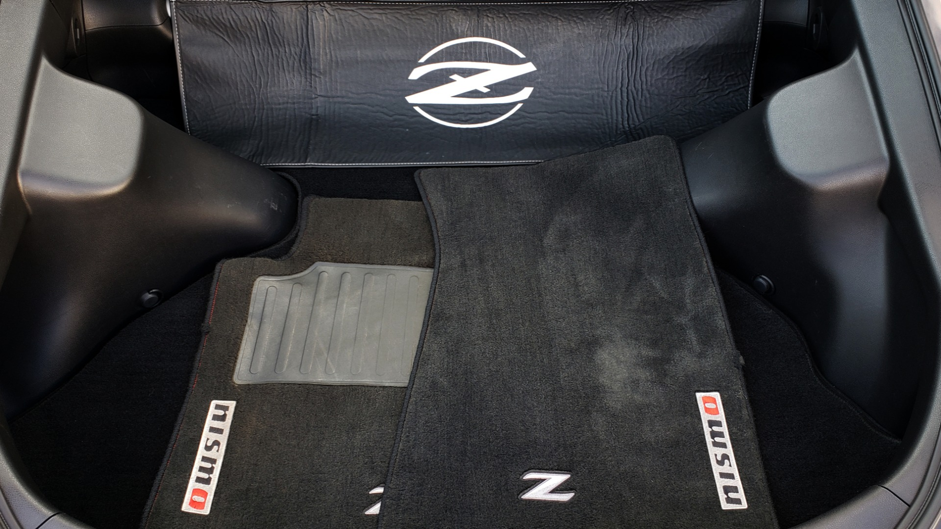 Used 2014 Nissan 370Z NISMO / 6-SPD MAN / BOSE / 6-DISC CHANGER / NISMO MATS / REARVIEW for sale Sold at Formula Imports in Charlotte NC 28227 69