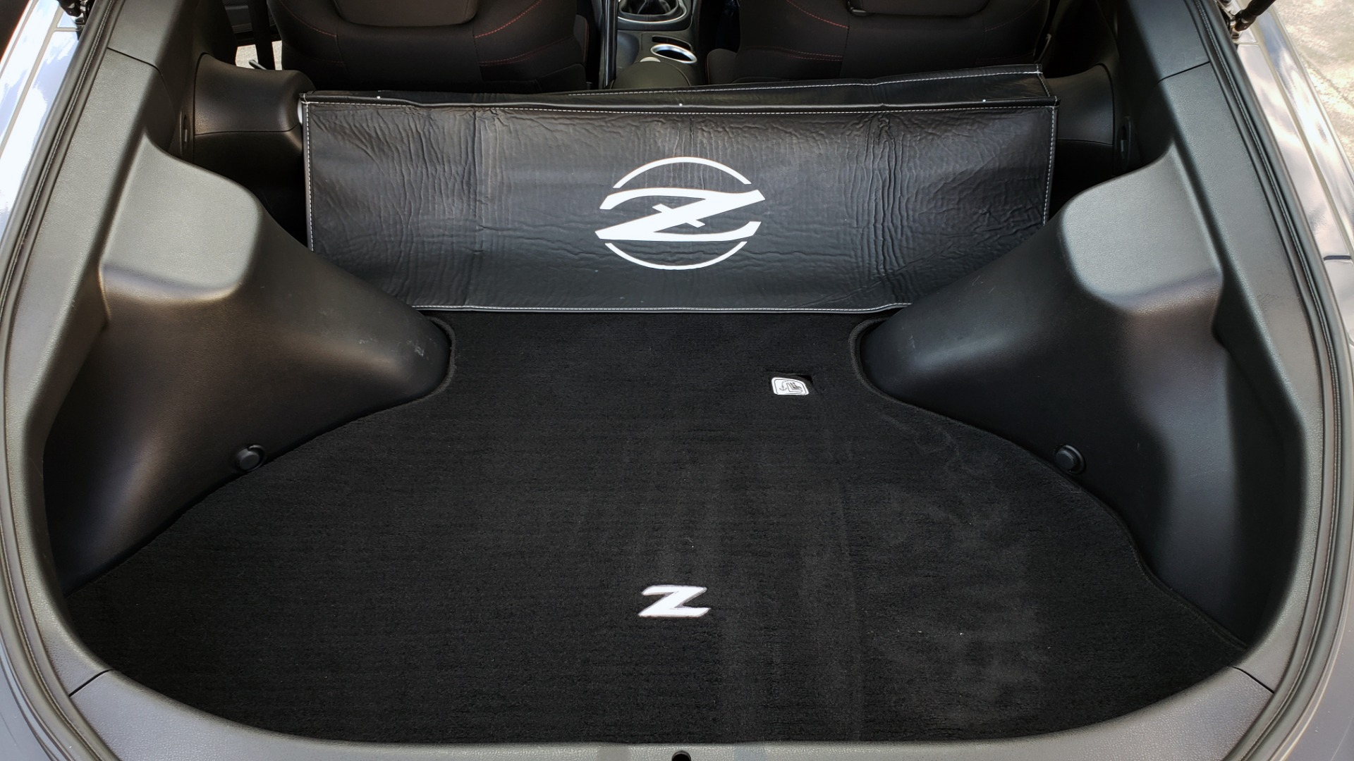 Used 2014 Nissan 370Z NISMO / 6-SPD MAN / BOSE / 6-DISC CHANGER / NISMO MATS / REARVIEW for sale Sold at Formula Imports in Charlotte NC 28227 70