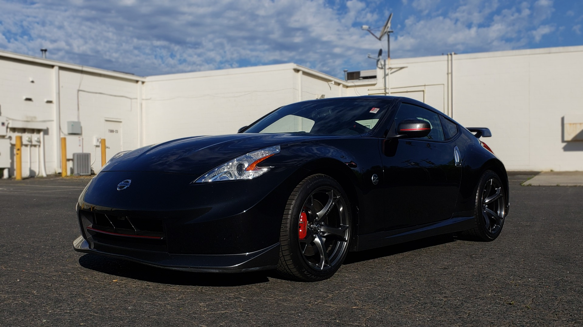 Used 2014 Nissan 370Z NISMO / 6-SPD MAN / BOSE / 6-DISC CHANGER / NISMO MATS / REARVIEW for sale Sold at Formula Imports in Charlotte NC 28227 1