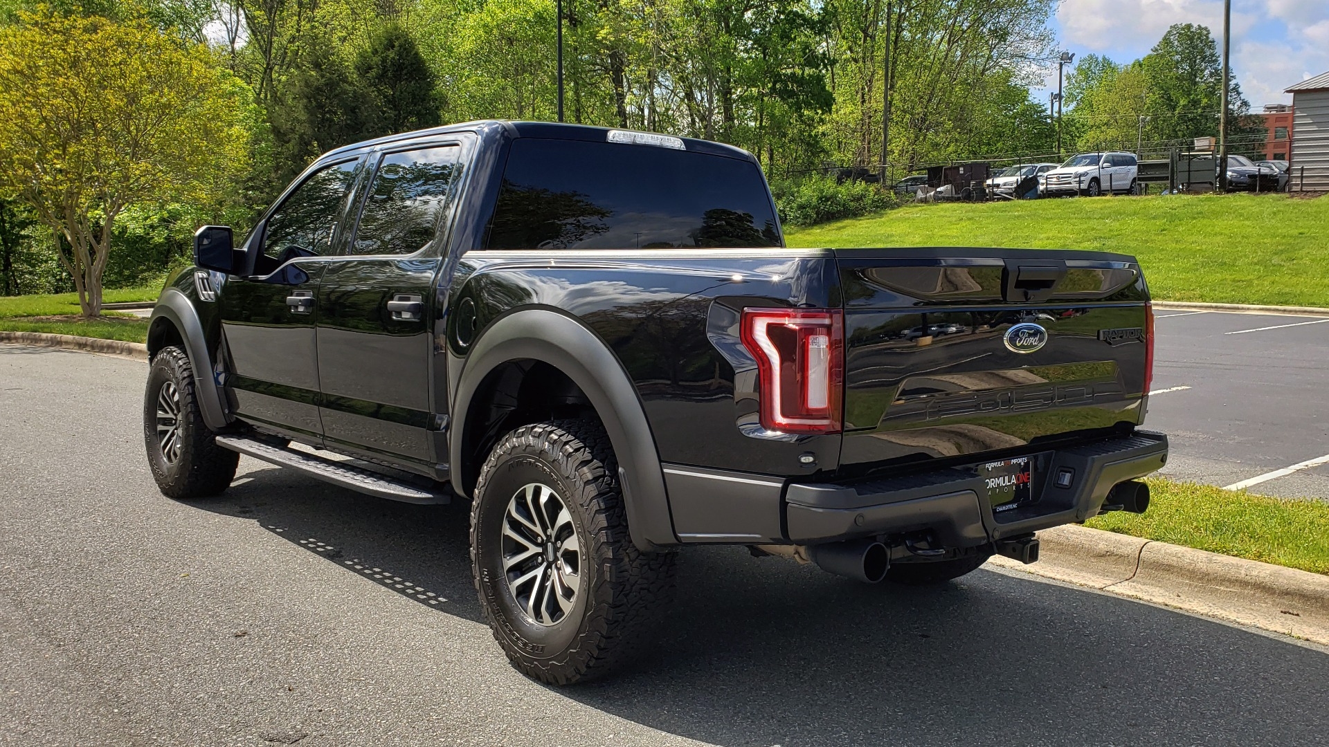 Used 2019 Ford F-150 RAPTOR CREW CAB 4X4 5.5' BOX / REMOTE START / TAILGATE STEP for sale Sold at Formula Imports in Charlotte NC 28227 3