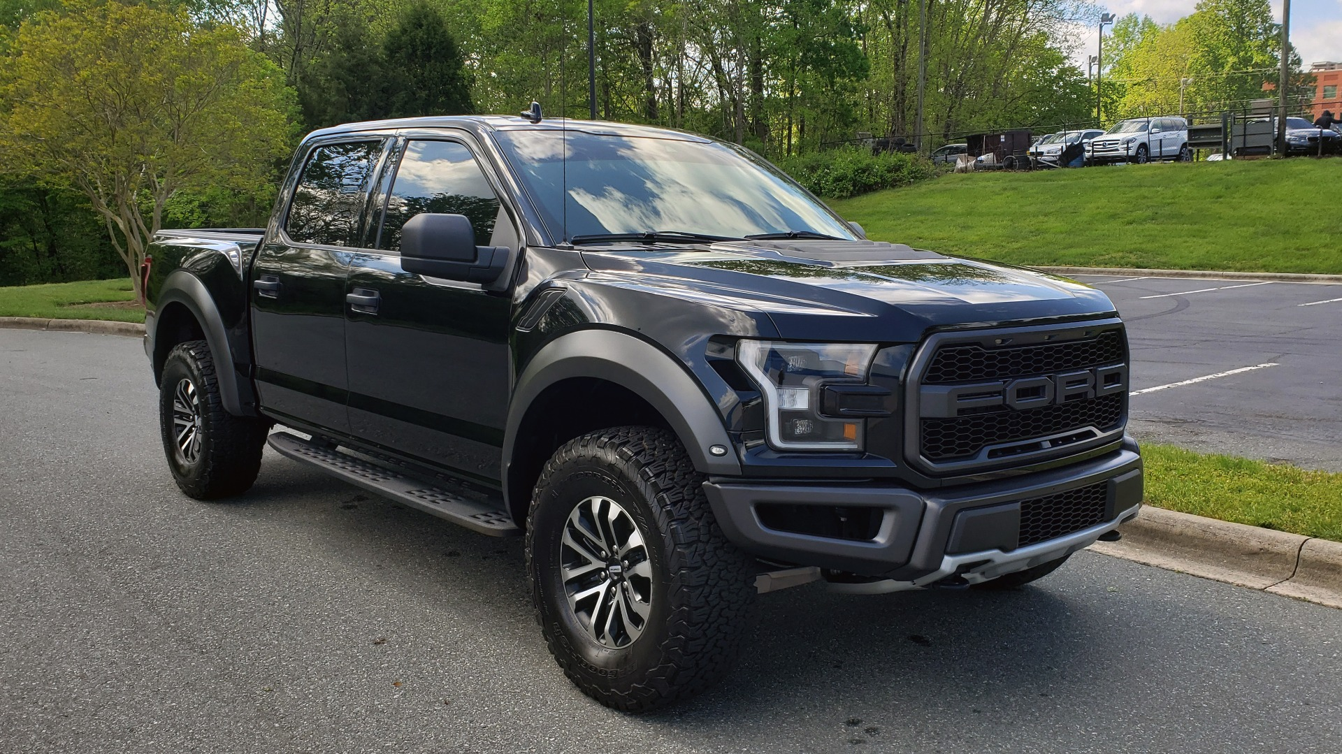 Used 2019 Ford F-150 RAPTOR CREW CAB 4X4 5.5' BOX / REMOTE START / TAILGATE STEP for sale Sold at Formula Imports in Charlotte NC 28227 4
