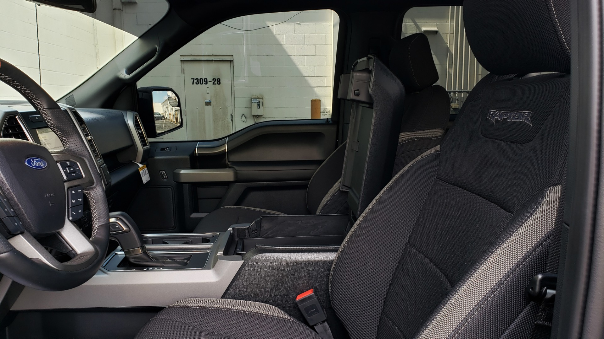 Used 2019 Ford F-150 RAPTOR CREW CAB 4X4 5.5' BOX / REMOTE START / TAILGATE STEP for sale Sold at Formula Imports in Charlotte NC 28227 55