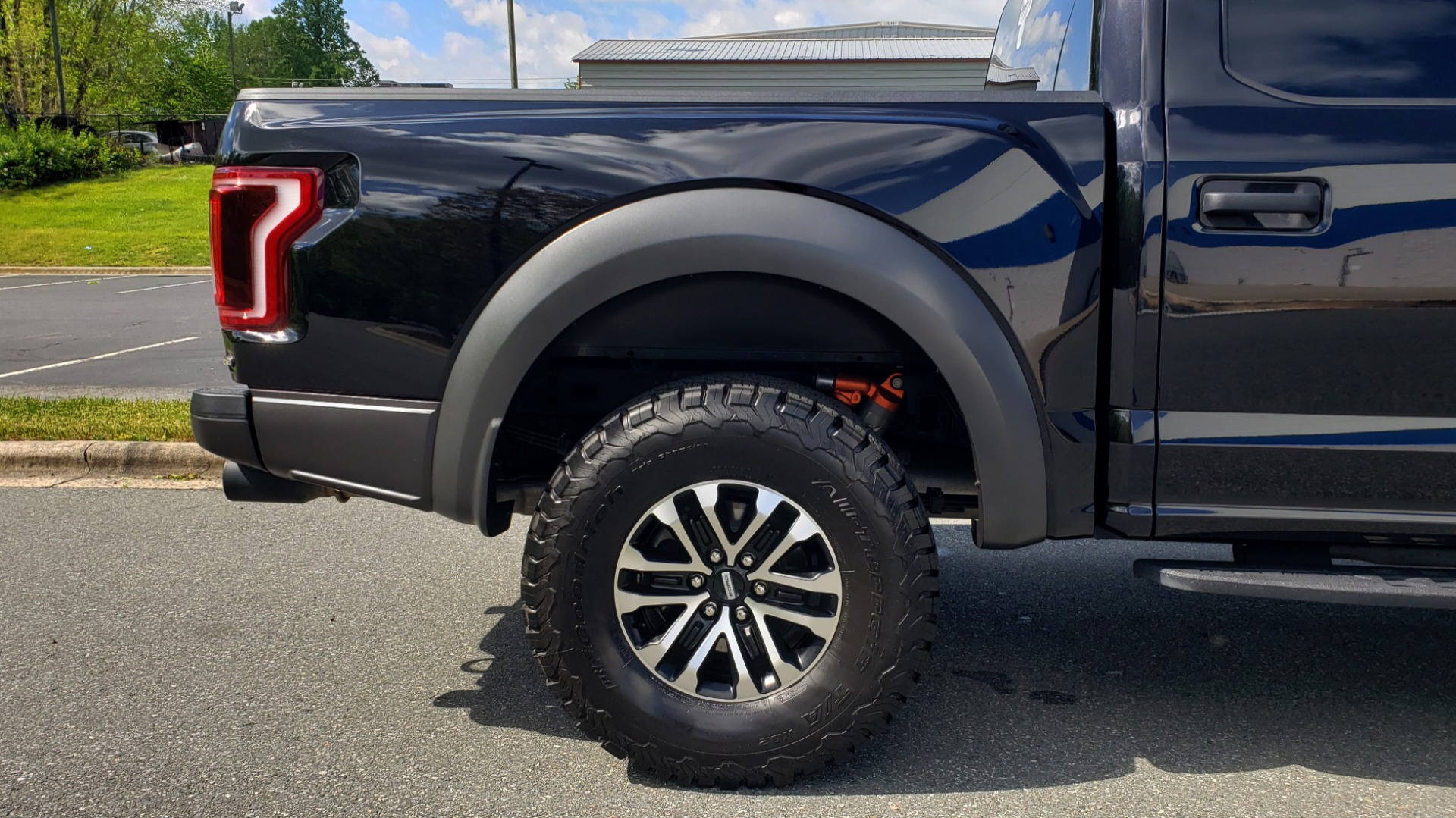 Used 2019 Ford F-150 RAPTOR CREW CAB 4X4 5.5' BOX / REMOTE START / TAILGATE STEP for sale Sold at Formula Imports in Charlotte NC 28227 84
