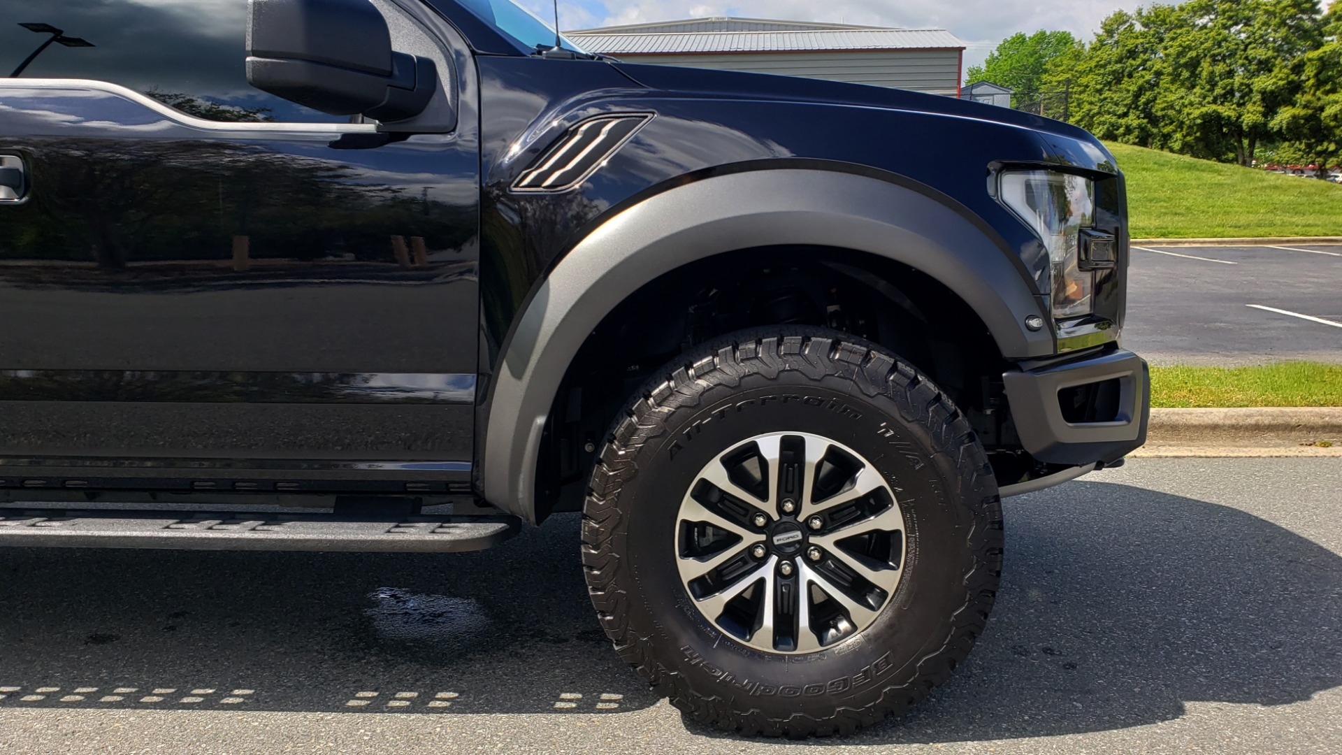 Used 2019 Ford F-150 RAPTOR CREW CAB 4X4 5.5' BOX / REMOTE START / TAILGATE STEP for sale Sold at Formula Imports in Charlotte NC 28227 85