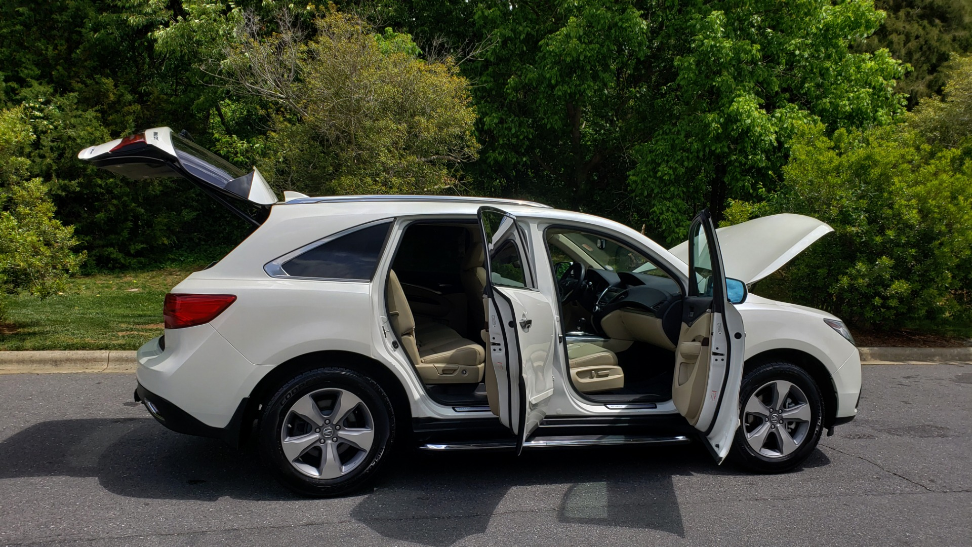 Used 2014 Acura MDX AWD / NAV / SUNROOF / 3-ROW / REARVIEW / PREMIUM SND for sale Sold at Formula Imports in Charlotte NC 28227 11