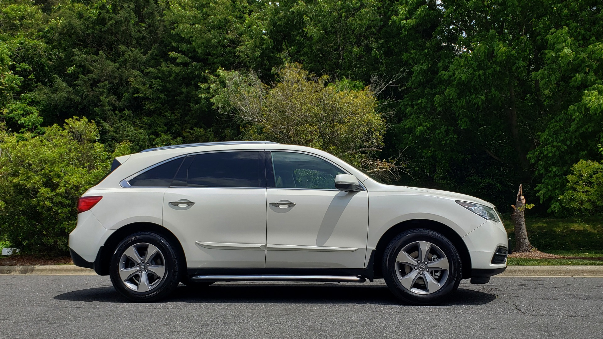 Used 2014 Acura MDX AWD / NAV / SUNROOF / 3-ROW / REARVIEW / PREMIUM SND for sale Sold at Formula Imports in Charlotte NC 28227 5