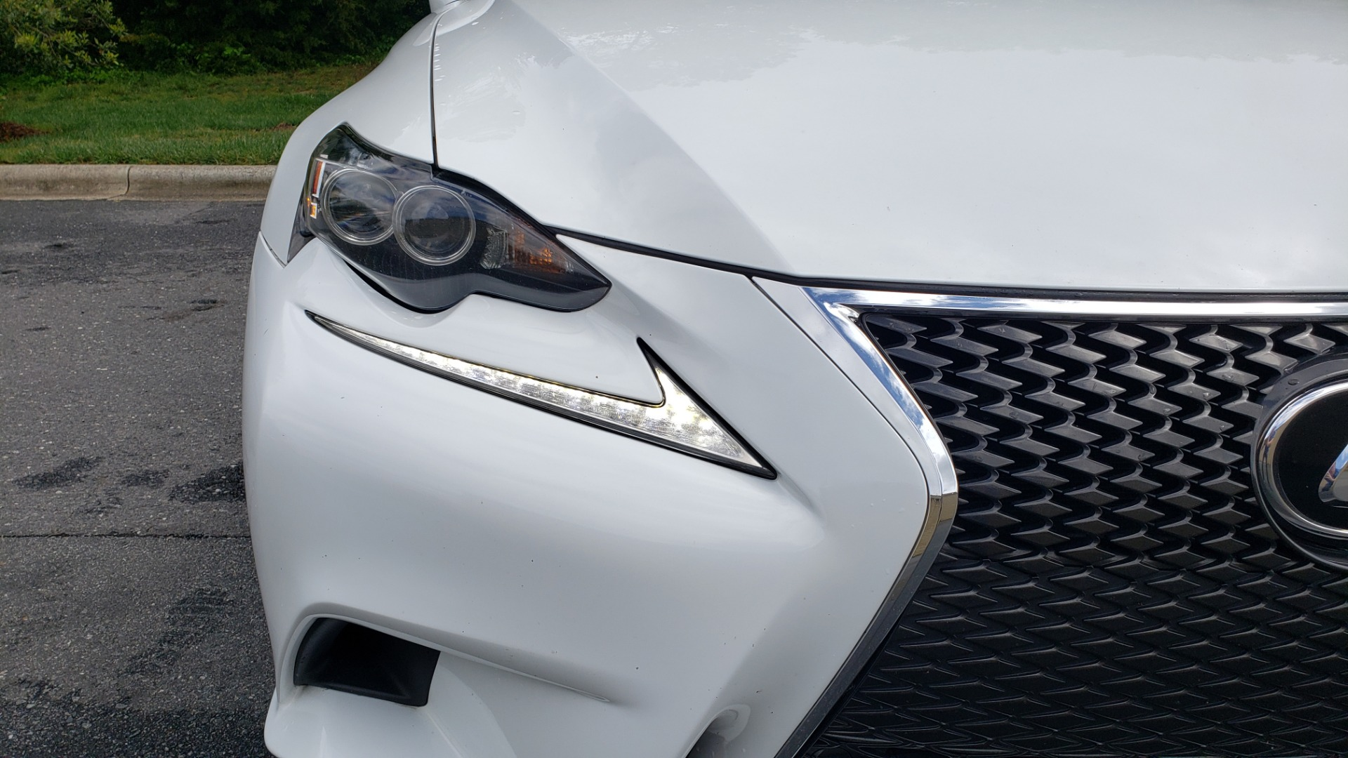 Used 2014 Lexus IS 350 F-SPORT / NAV / SUNROOF / REARVIEW / BSM / MARK LEV SND for sale Sold at Formula Imports in Charlotte NC 28227 19
