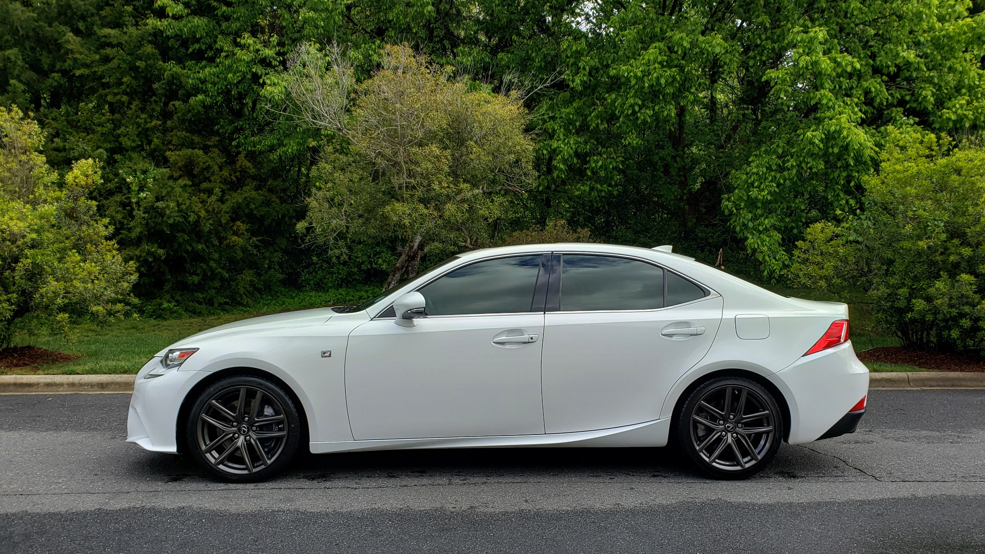 Used 2014 Lexus IS 350 F-SPORT / NAV / SUNROOF / REARVIEW / BSM / MARK LEV SND for sale Sold at Formula Imports in Charlotte NC 28227 2