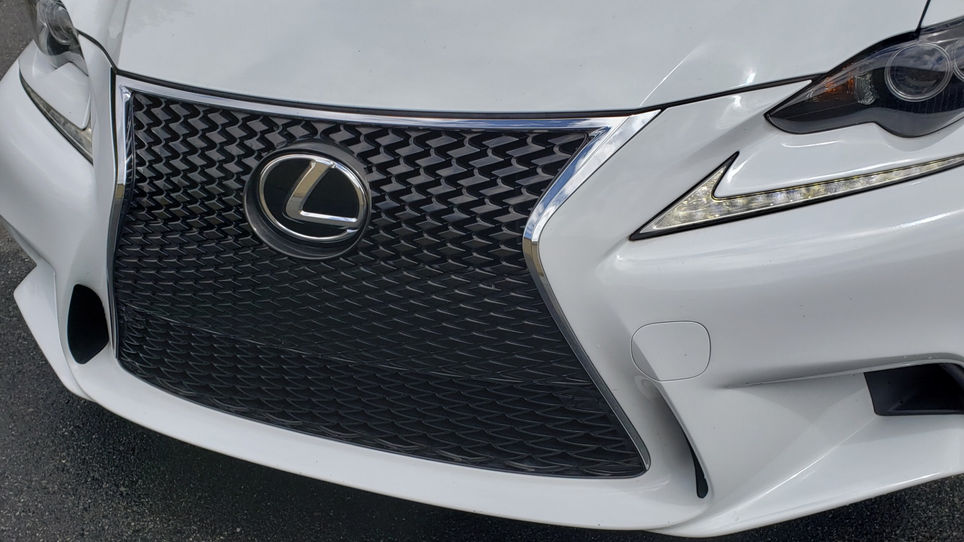 Used 2014 Lexus IS 350 F-SPORT / NAV / SUNROOF / REARVIEW / BSM / MARK LEV SND for sale Sold at Formula Imports in Charlotte NC 28227 21