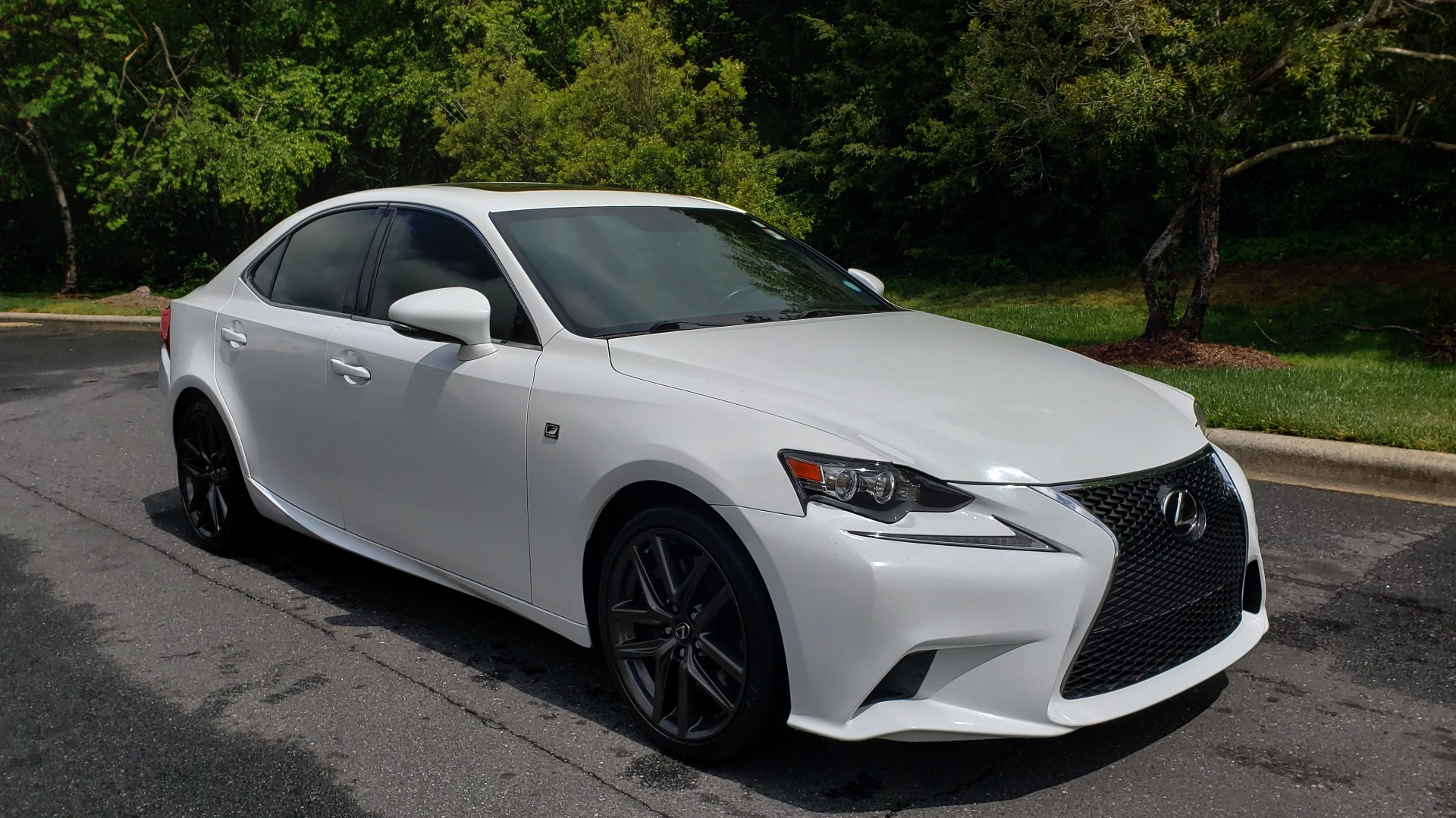 Used 2014 Lexus IS 350 F-SPORT / NAV / SUNROOF / REARVIEW / BSM / MARK LEV SND for sale Sold at Formula Imports in Charlotte NC 28227 4
