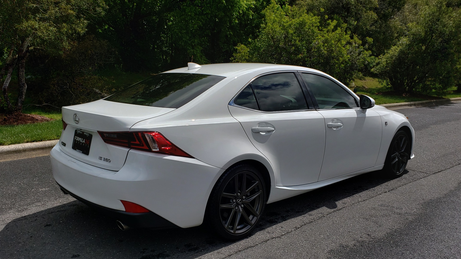 Used 2014 Lexus IS 350 F-SPORT / NAV / SUNROOF / REARVIEW / BSM / MARK LEV SND for sale Sold at Formula Imports in Charlotte NC 28227 6