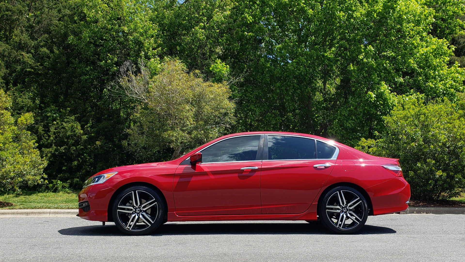 Used 2016 Honda ACCORD SEDAN SPORT / 4-CYL / CVT TRANS / SPOILER / 19IN ALLOY WHEELS for sale Sold at Formula Imports in Charlotte NC 28227 2