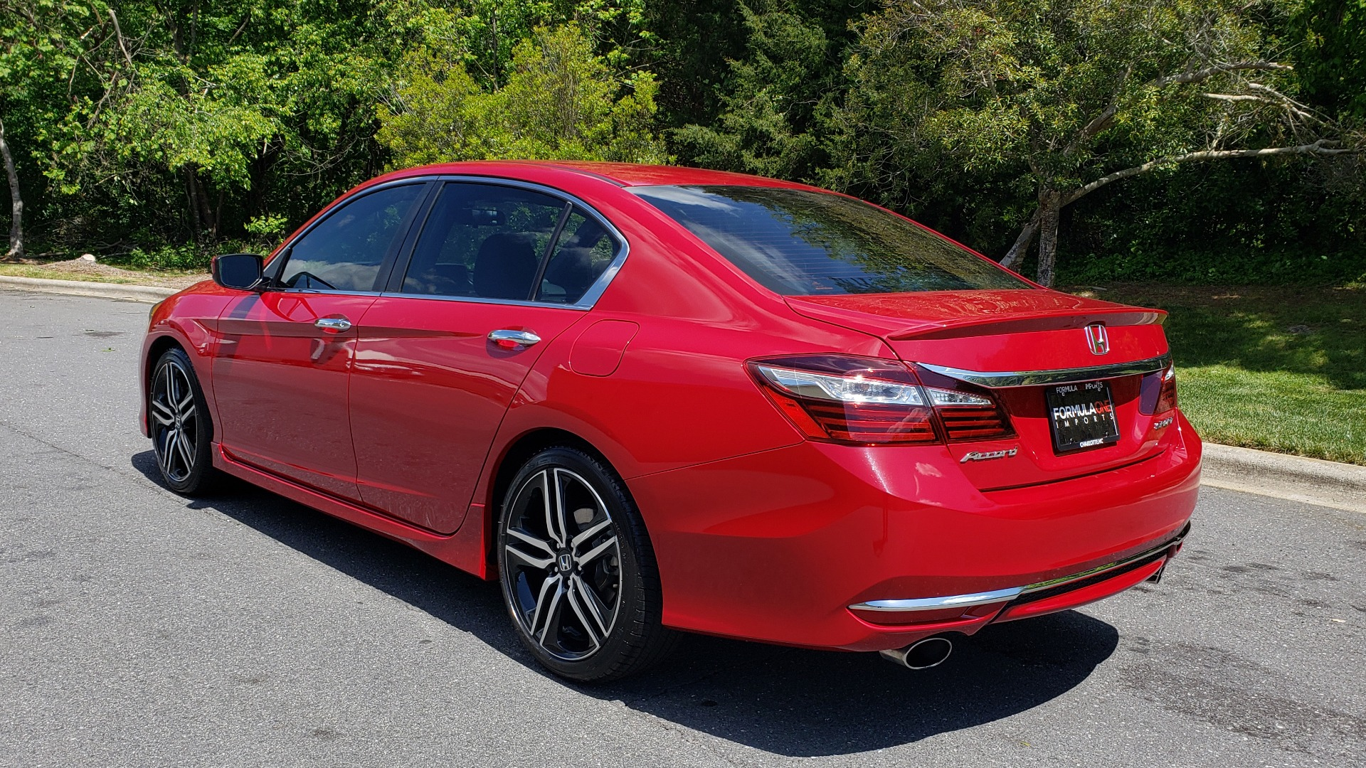 Used 2016 Honda ACCORD SEDAN SPORT / 4-CYL / CVT TRANS / SPOILER / 19IN ALLOY WHEELS for sale Sold at Formula Imports in Charlotte NC 28227 3
