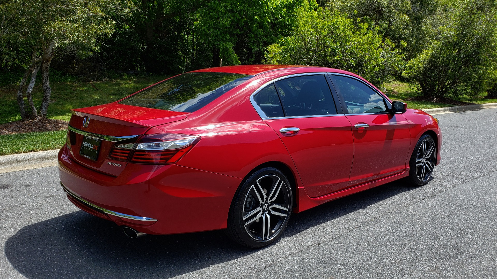 Used 2016 Honda ACCORD SEDAN SPORT / 4-CYL / CVT TRANS / SPOILER / 19IN ALLOY WHEELS for sale Sold at Formula Imports in Charlotte NC 28227 6