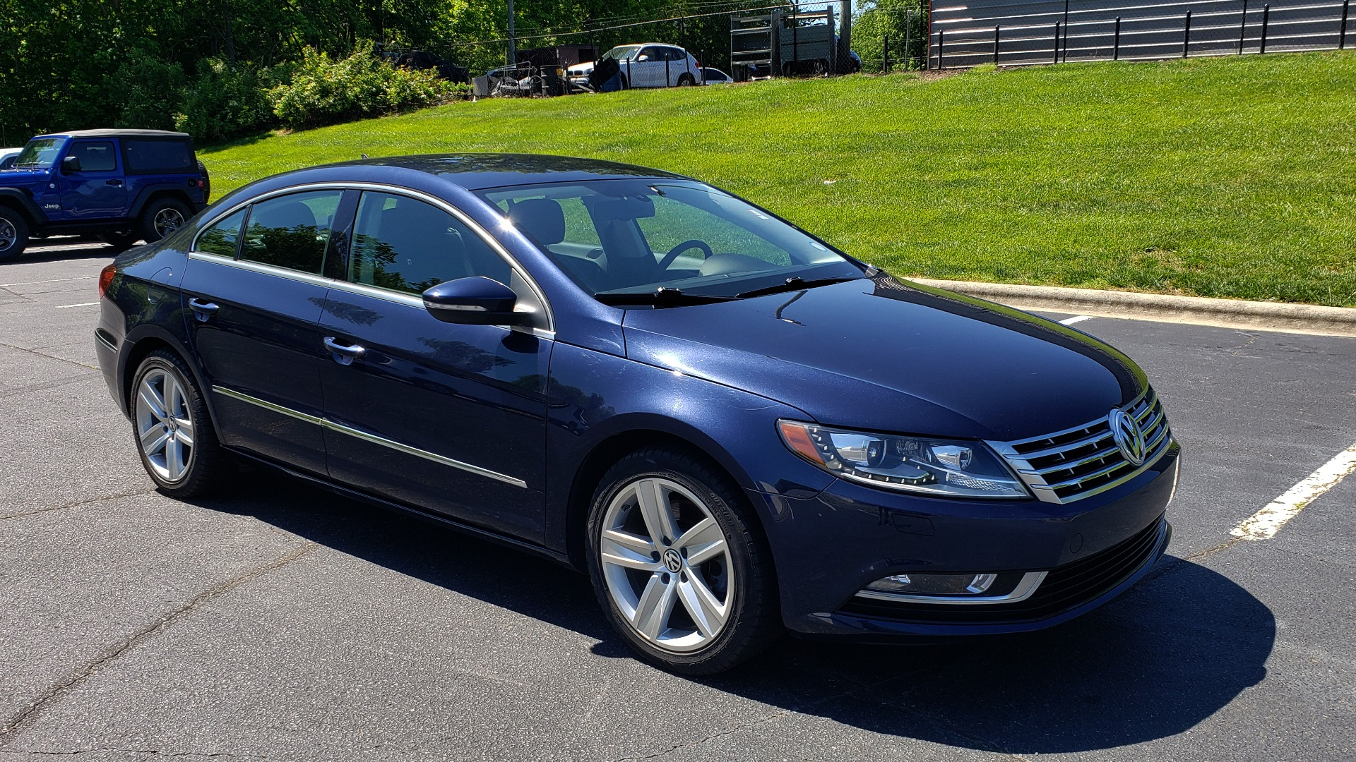 Used 2013 Volkswagen CC SPORT W/LIGHTING PKG / 2.0L 4-CYL / DSG 6-SPD AUTO for sale Sold at Formula Imports in Charlotte NC 28227 4