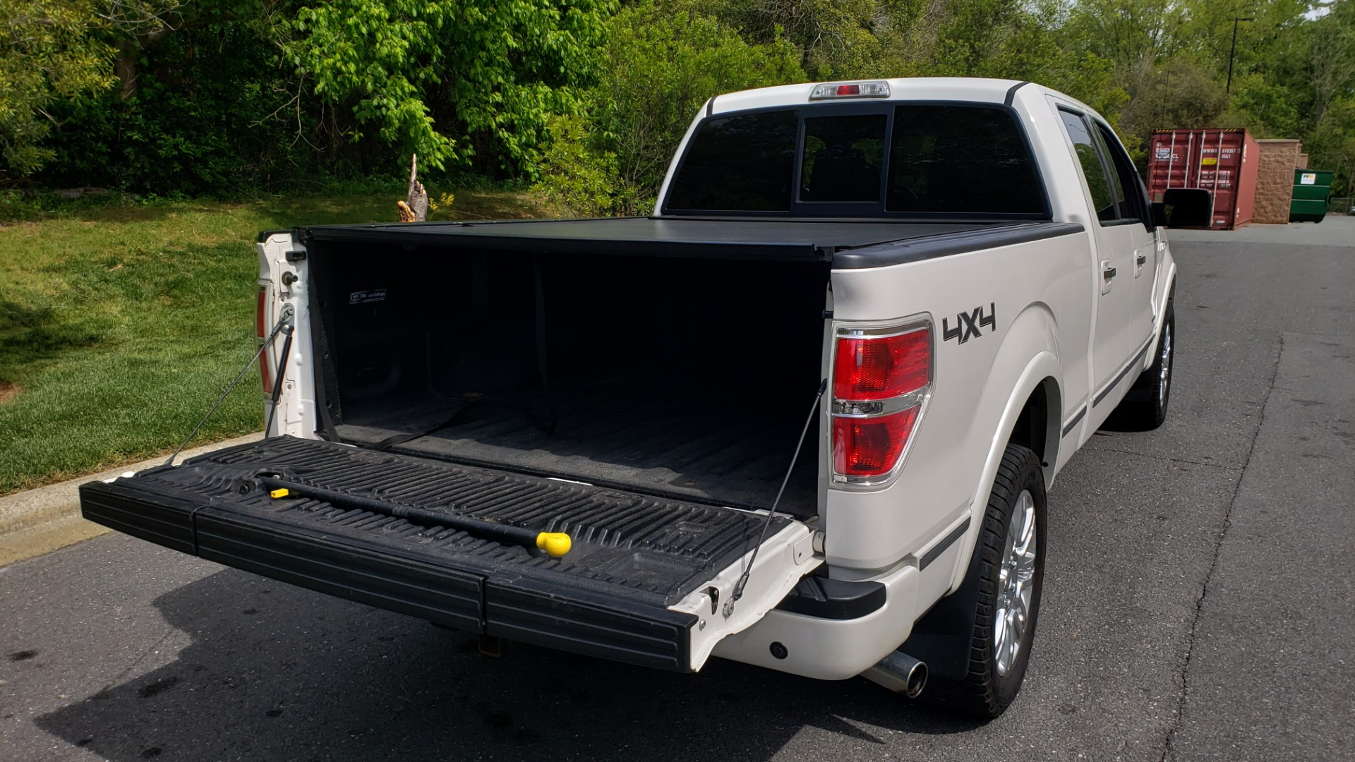 Used 2011 Ford F-150 PLATINUM 4X4 SUPERCREW / NAV / SUNROOF / SONY / REARVIEW for sale Sold at Formula Imports in Charlotte NC 28227 16