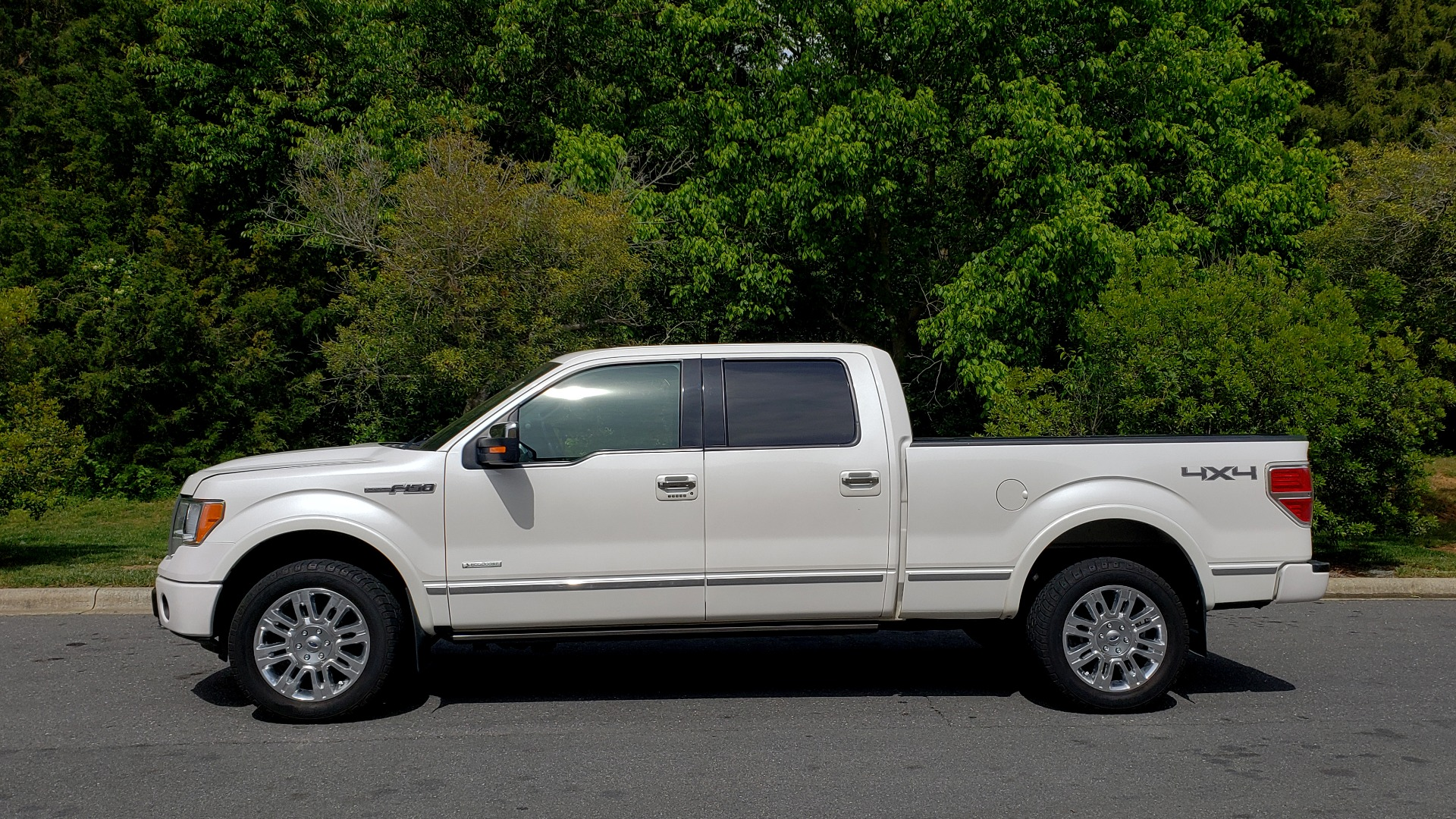 Used 2011 Ford F-150 PLATINUM 4X4 SUPERCREW / NAV / SUNROOF / SONY / REARVIEW for sale Sold at Formula Imports in Charlotte NC 28227 2