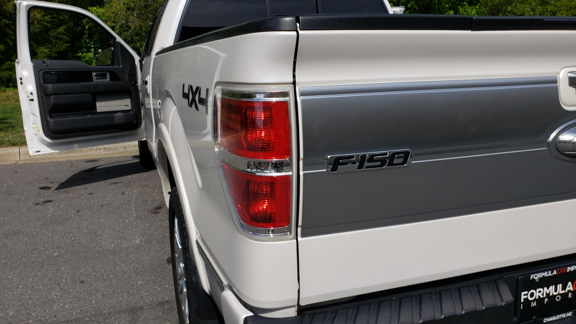 Used 2011 Ford F-150 PLATINUM 4X4 SUPERCREW / NAV / SUNROOF / SONY / REARVIEW for sale Sold at Formula Imports in Charlotte NC 28227 29