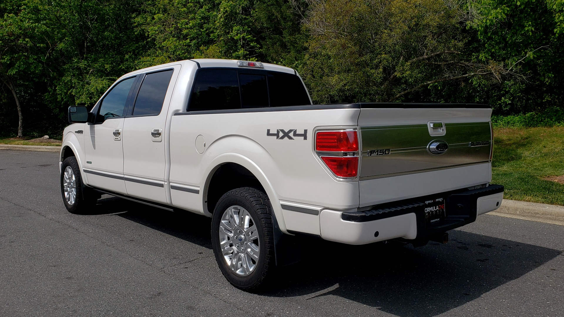 Used 2011 Ford F-150 PLATINUM 4X4 SUPERCREW / NAV / SUNROOF / SONY / REARVIEW for sale Sold at Formula Imports in Charlotte NC 28227 3