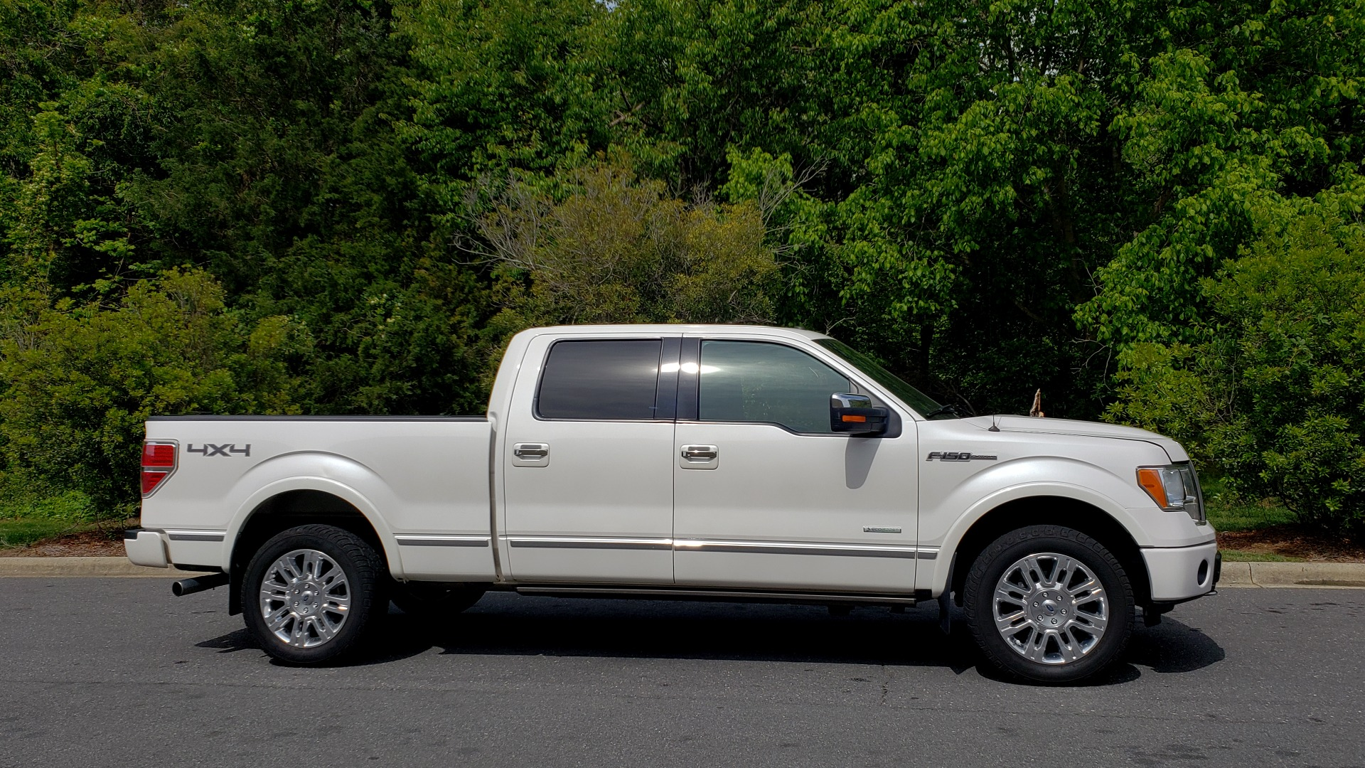 Used 2011 Ford F-150 PLATINUM 4X4 SUPERCREW / NAV / SUNROOF / SONY / REARVIEW for sale Sold at Formula Imports in Charlotte NC 28227 5