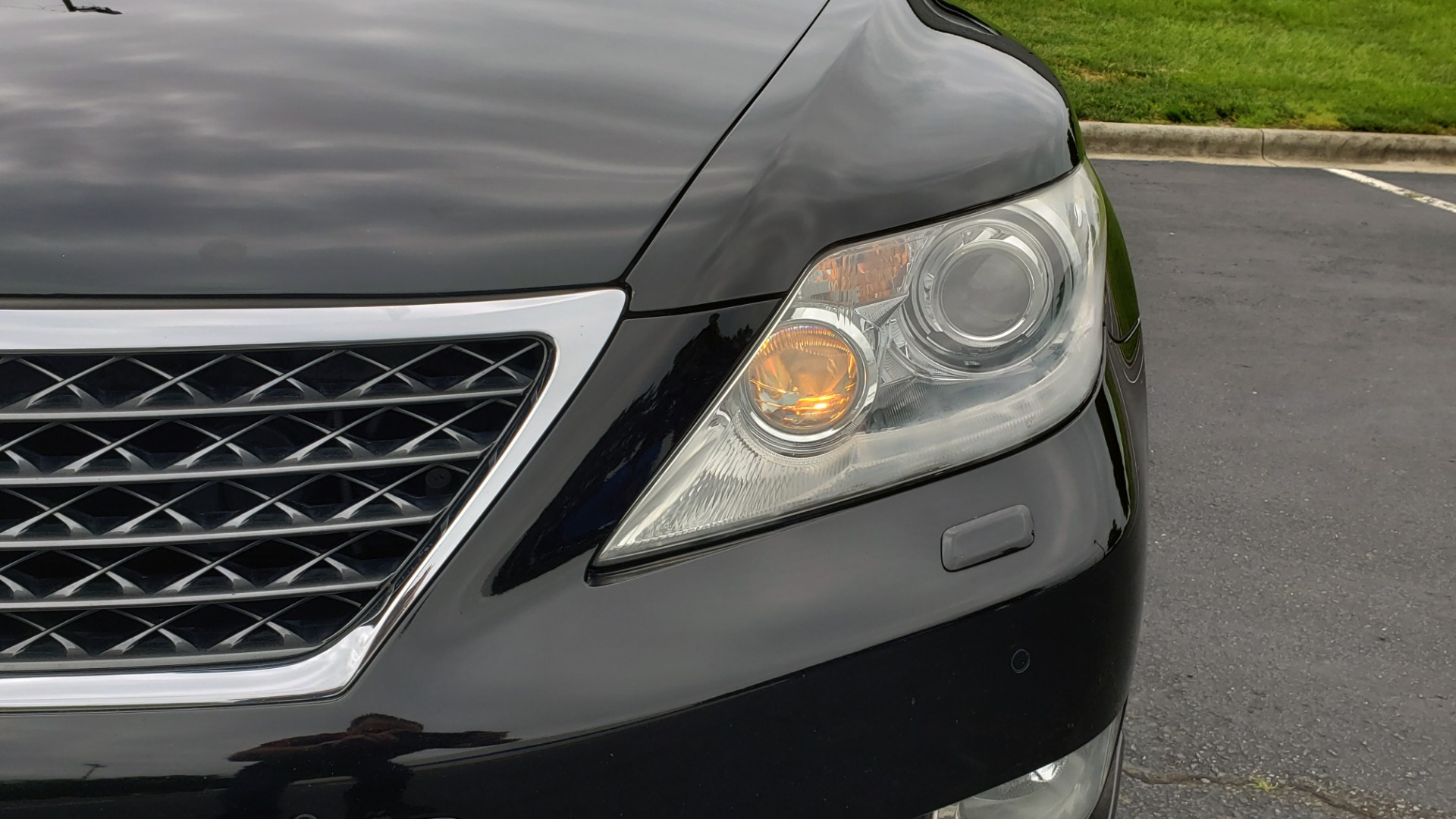 Used 2012 Lexus LS 460 COMFORT W/SPORT / VENT SEATS / NAV / MARK LEV SND / SUNROOF for sale Sold at Formula Imports in Charlotte NC 28227 24