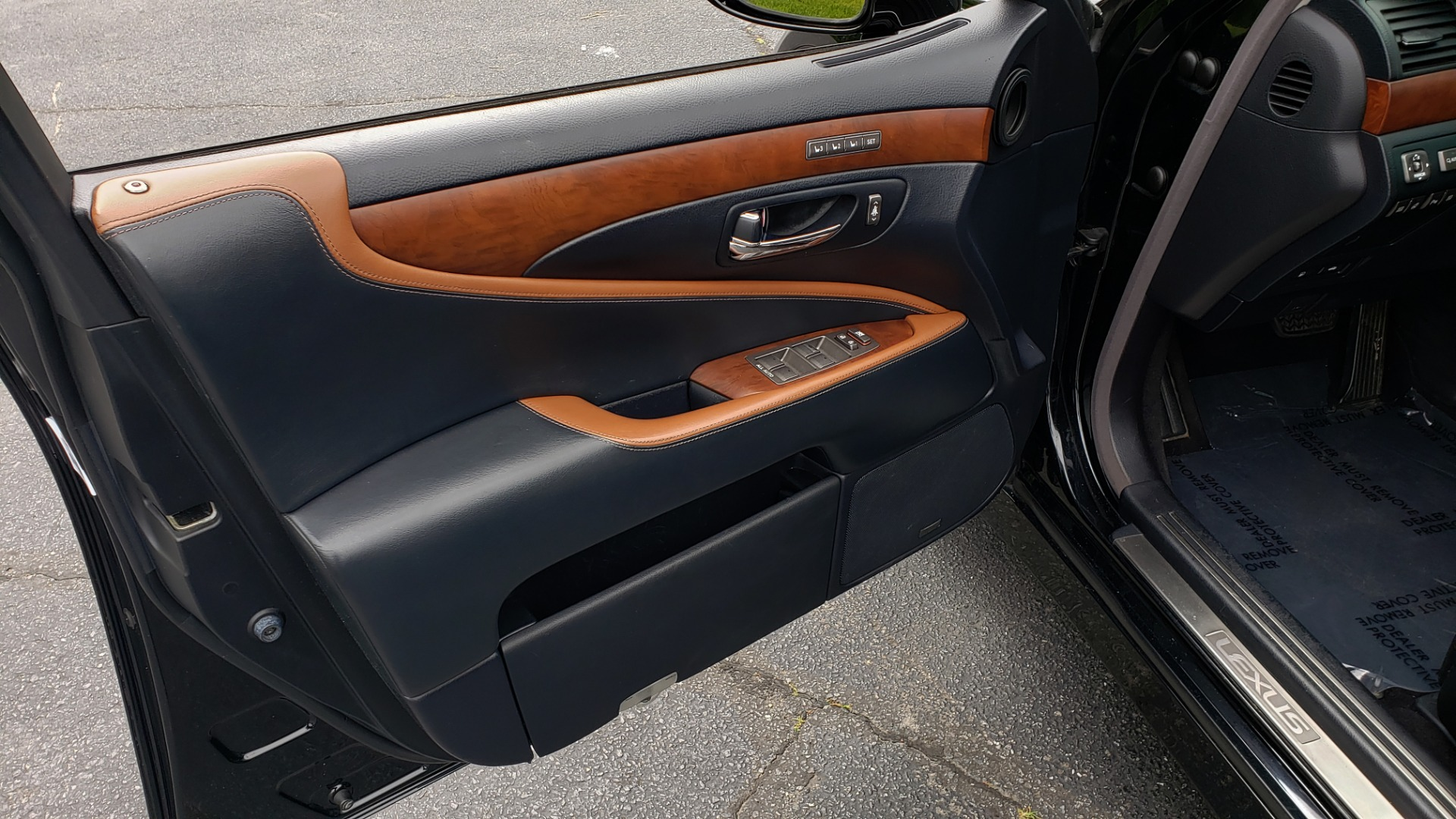 Used 2012 Lexus LS 460 COMFORT W/SPORT / VENT SEATS / NAV / MARK LEV SND / SUNROOF for sale Sold at Formula Imports in Charlotte NC 28227 29