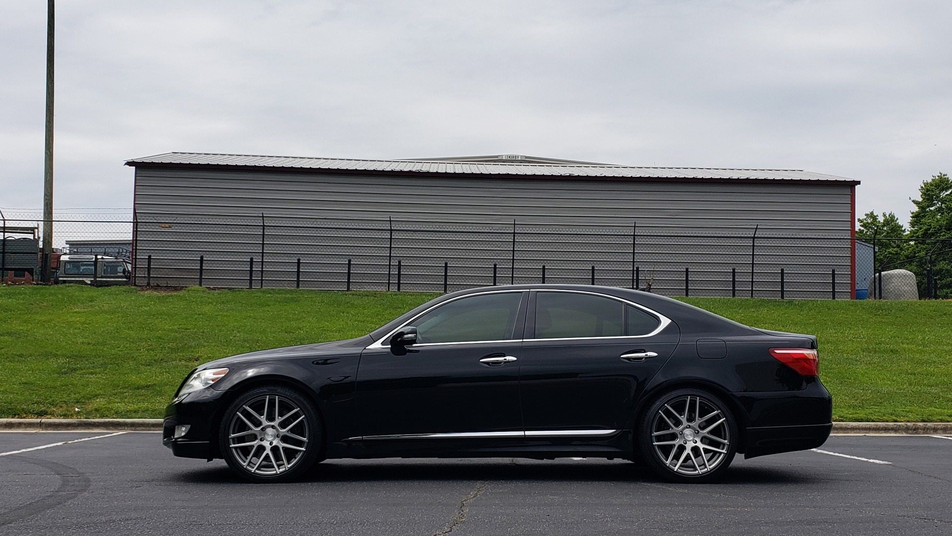 Used 2012 Lexus LS 460 COMFORT W/SPORT / VENT SEATS / NAV / MARK LEV SND / SUNROOF for sale Sold at Formula Imports in Charlotte NC 28227 3