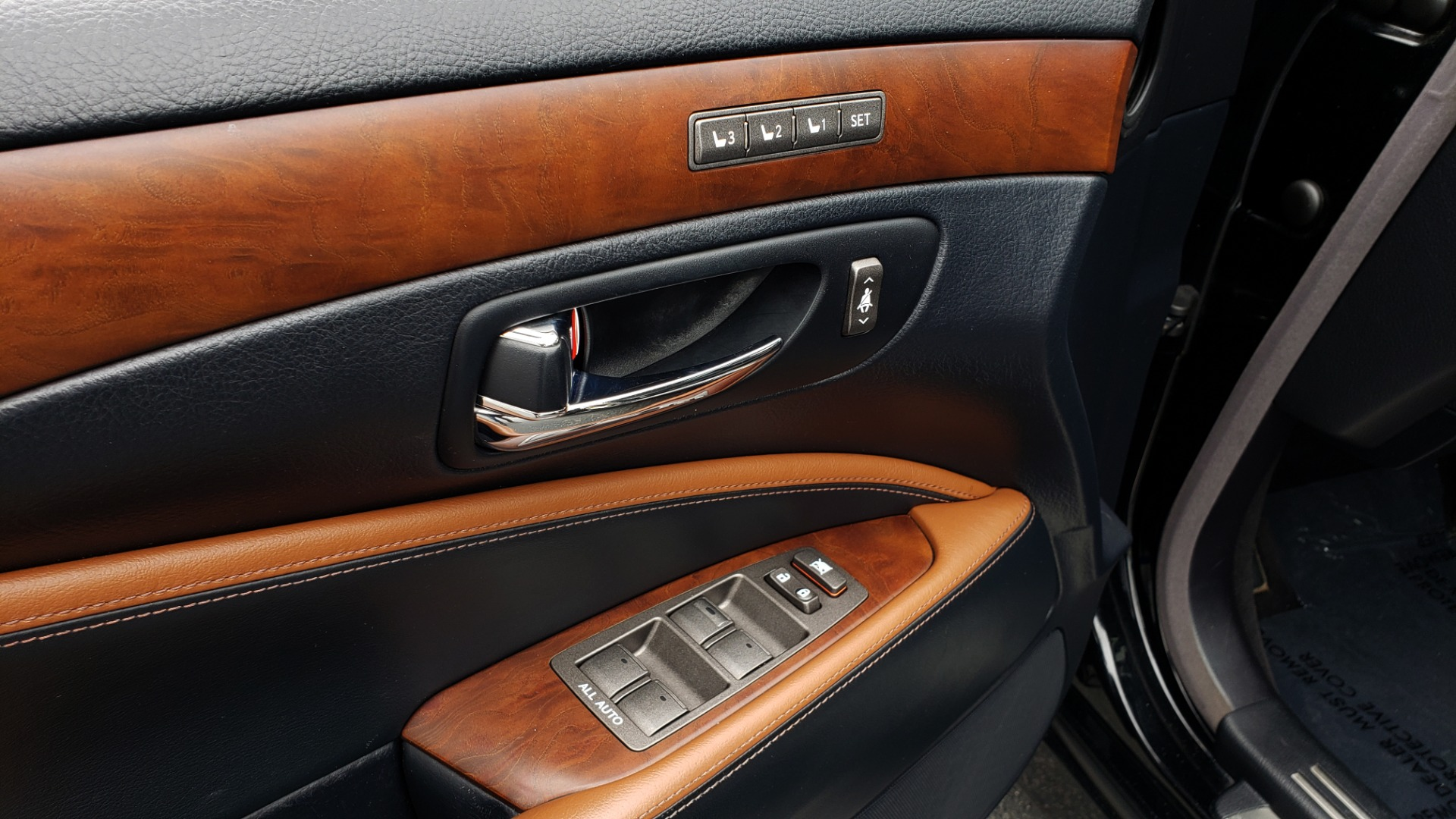 Used 2012 Lexus LS 460 COMFORT W/SPORT / VENT SEATS / NAV / MARK LEV SND / SUNROOF for sale Sold at Formula Imports in Charlotte NC 28227 30