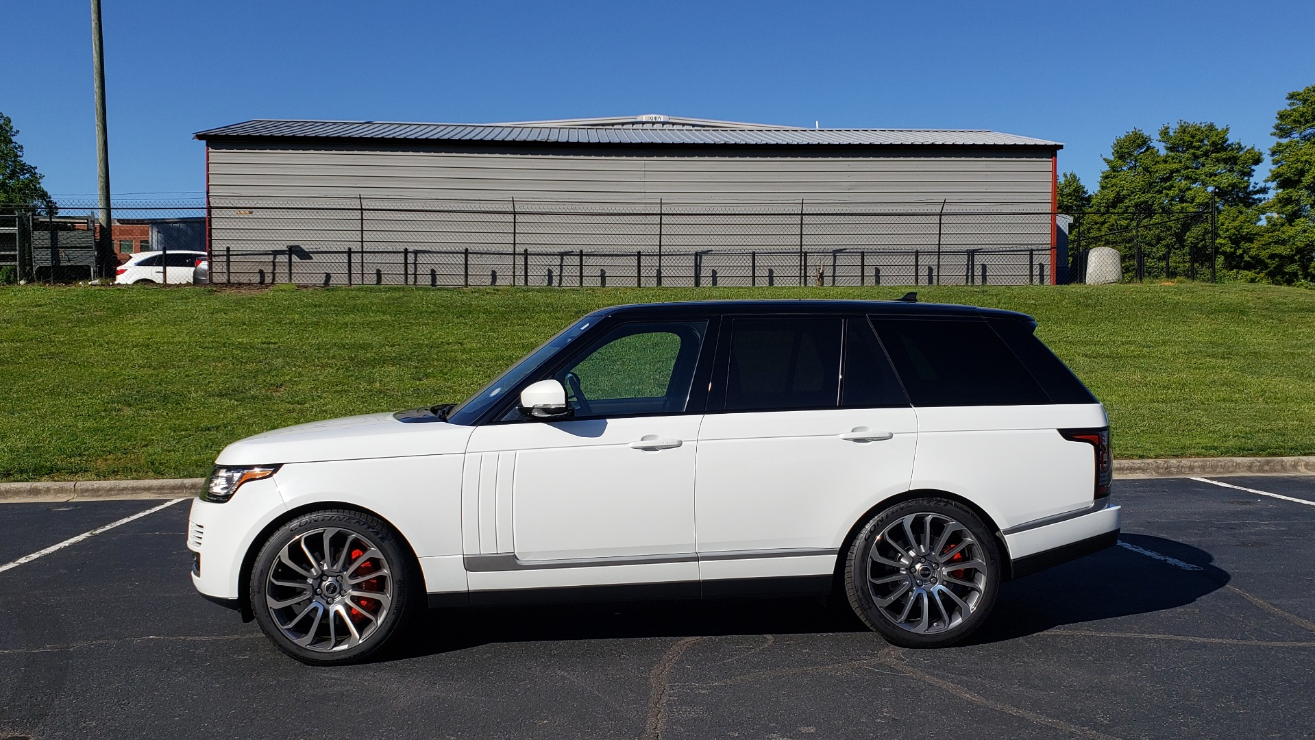 Used 2016 Land Rover RANGE ROVER HSE / AWD / SC V6 / NAV / VISION ASST / PANO-ROOF / BSM for sale $47,495 at Formula Imports in Charlotte NC 28227 2