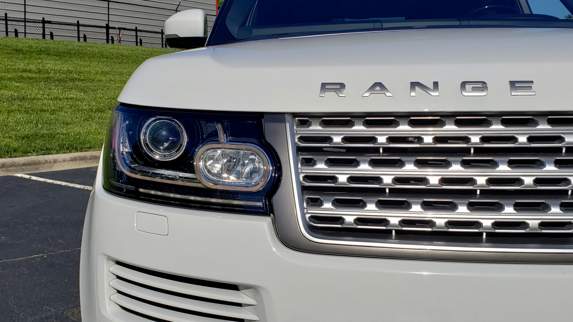 Used 2016 Land Rover RANGE ROVER HSE / AWD / SC V6 / NAV / VISION ASST / PANO-ROOF / BSM for sale $47,495 at Formula Imports in Charlotte NC 28227 25