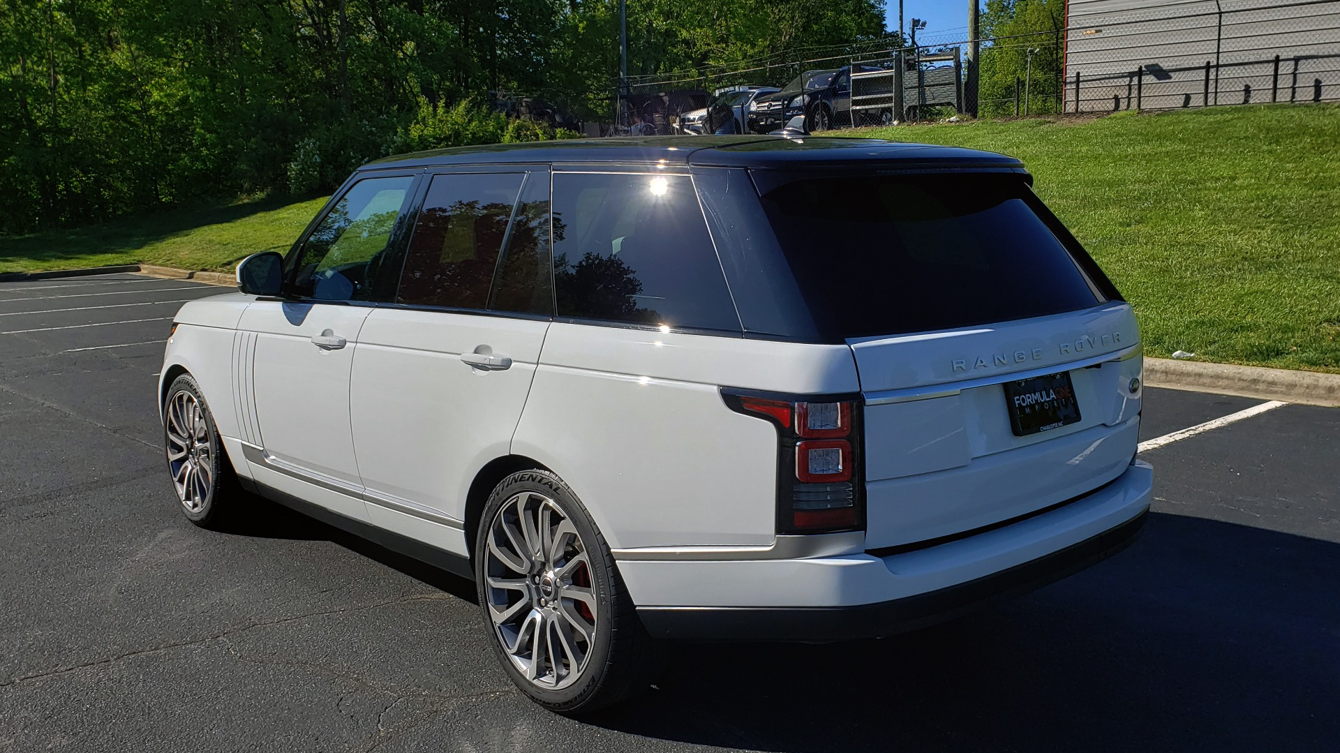Used 2016 Land Rover RANGE ROVER HSE / NAV / VISION ASSIST / MERIDIAN / PANO-ROOF / REARVIEW for sale Sold at Formula Imports in Charlotte NC 28227 3