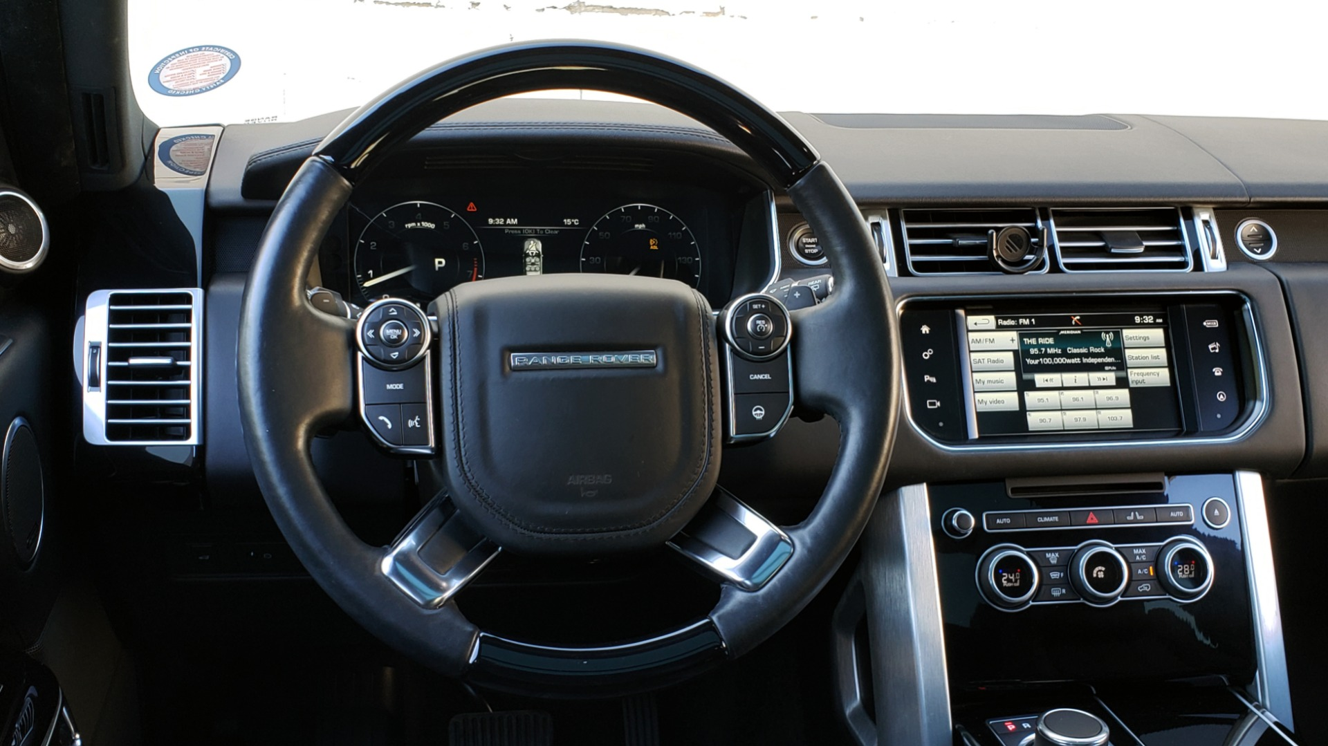 Used 2016 Land Rover RANGE ROVER HSE / AWD / SC V6 / NAV / VISION ASST / PANO-ROOF / BSM for sale $47,495 at Formula Imports in Charlotte NC 28227 39