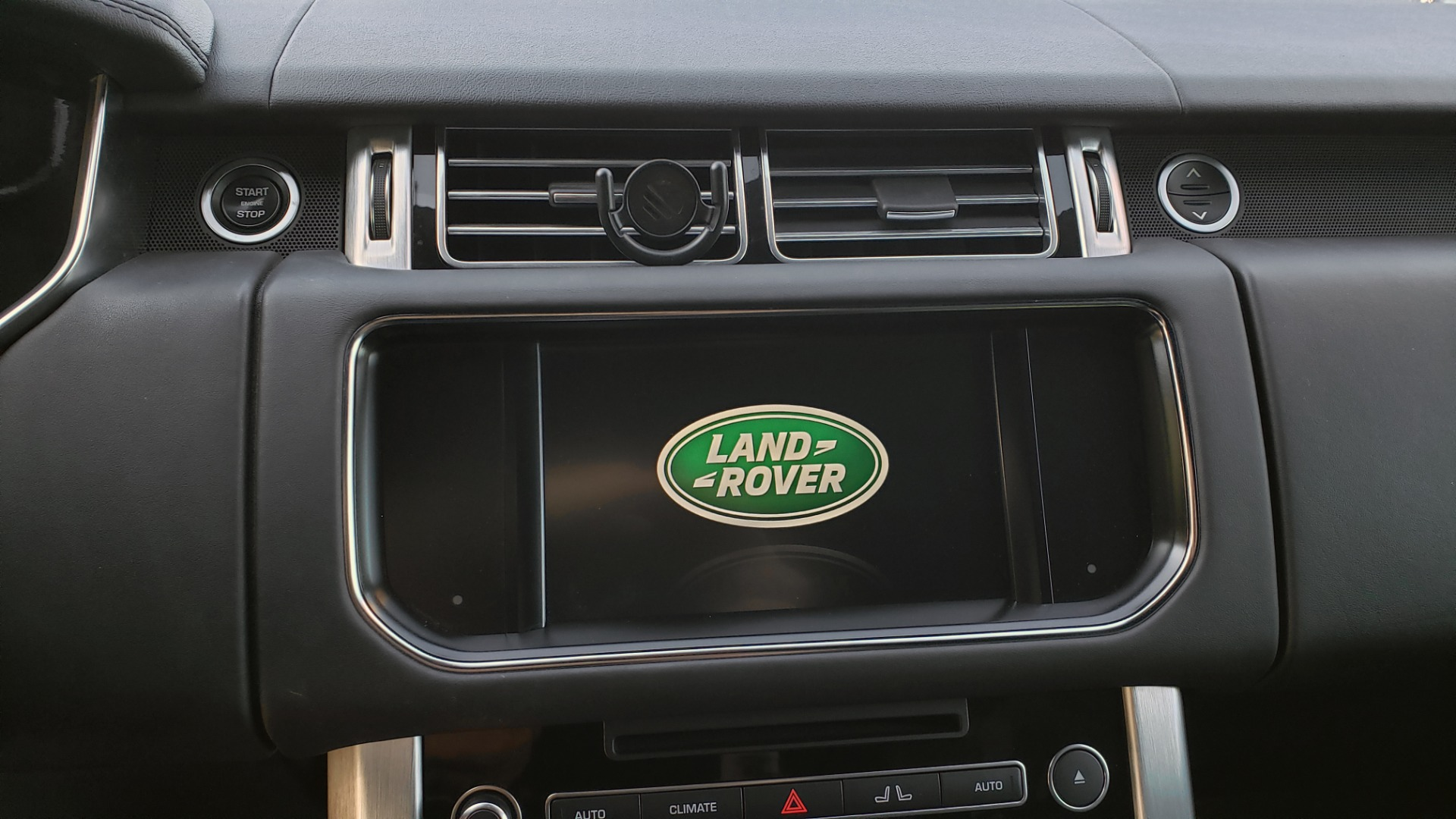 Used 2016 Land Rover RANGE ROVER HSE / AWD / SC V6 / NAV / VISION ASST / PANO-ROOF / BSM for sale $47,495 at Formula Imports in Charlotte NC 28227 51
