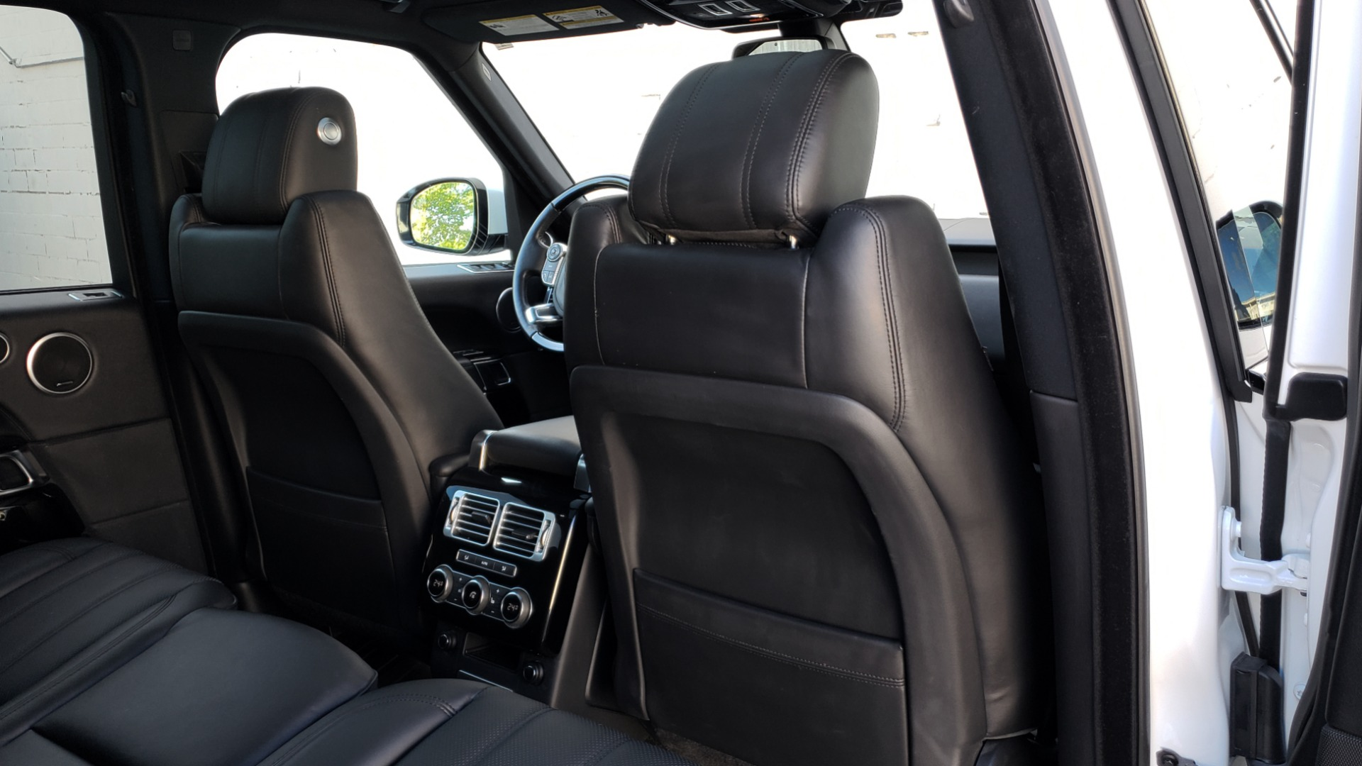 Used 2016 Land Rover RANGE ROVER HSE / AWD / SC V6 / NAV / VISION ASST / PANO-ROOF / BSM for sale $47,495 at Formula Imports in Charlotte NC 28227 81