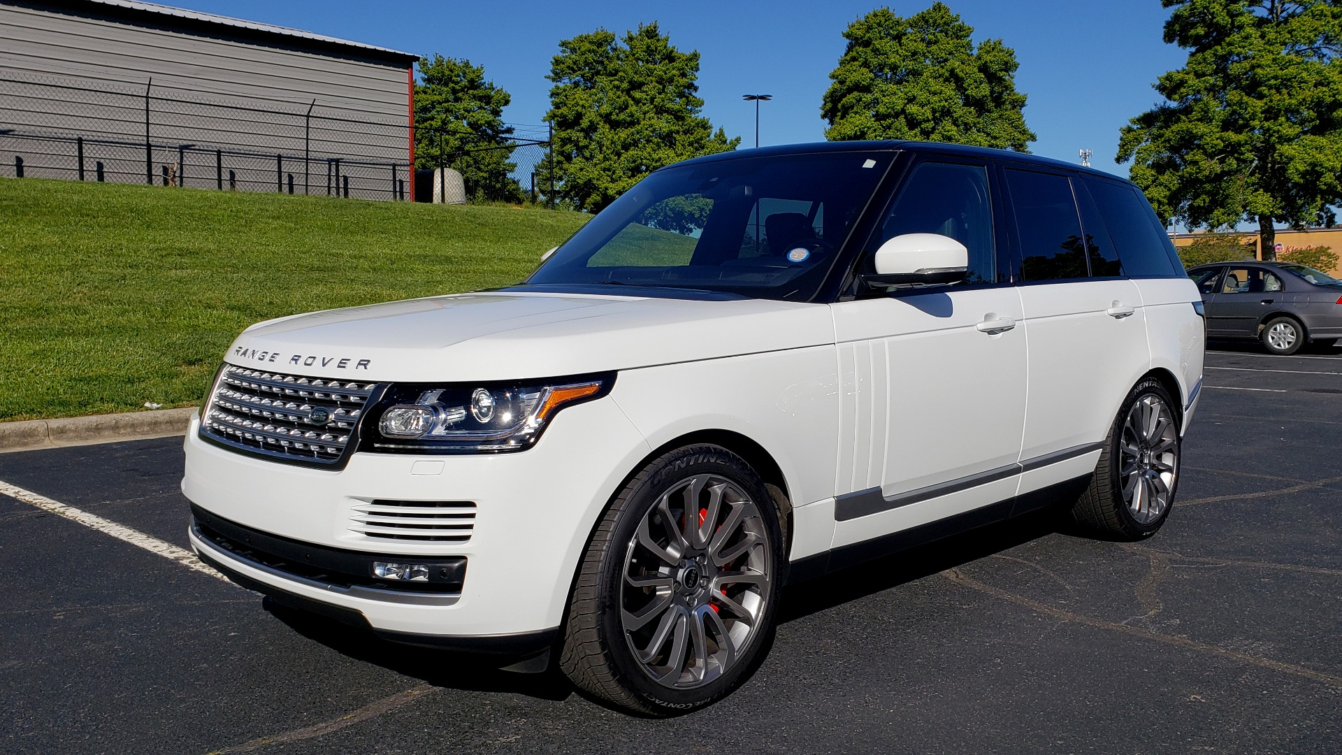 Used 2016 Land Rover RANGE ROVER HSE / AWD / SC V6 / NAV / VISION ASST / PANO-ROOF / BSM for sale $47,495 at Formula Imports in Charlotte NC 28227 1