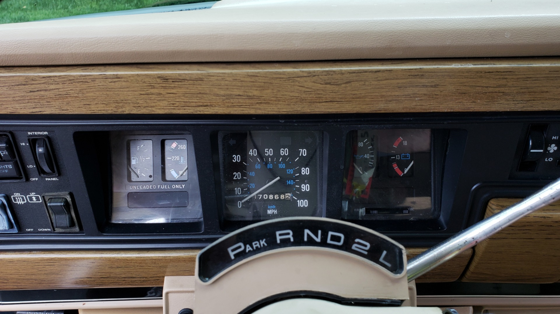 Used 1989 Jeep GRAND WAGONEER 4x4 / 5.9L V8 / 3-SPEED AUTO / PIONEER STEREO for sale Sold at Formula Imports in Charlotte NC 28227 41