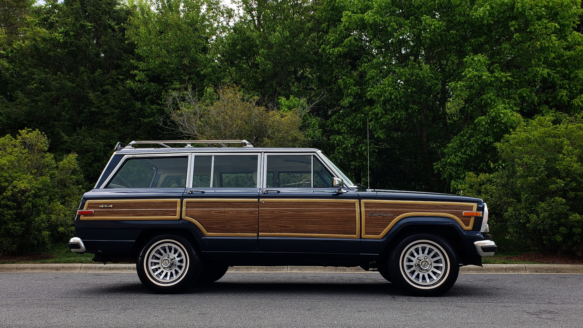 Used 1989 Jeep GRAND WAGONEER 4x4 / 5.9L V8 / 3-SPEED AUTO / PIONEER STEREO for sale Sold at Formula Imports in Charlotte NC 28227 5