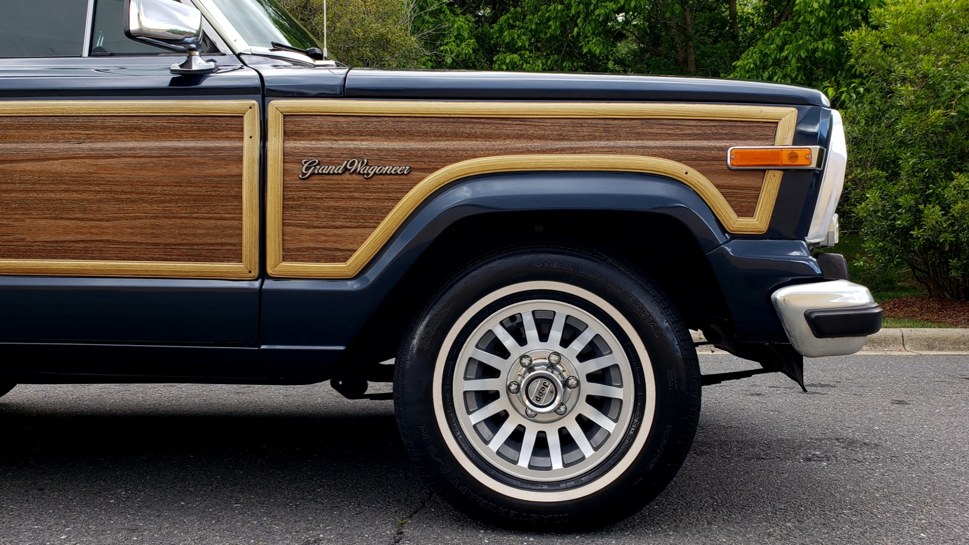 Used 1989 Jeep GRAND WAGONEER 4x4 / 5.9L V8 / 3-SPEED AUTO / PIONEER STEREO for sale Sold at Formula Imports in Charlotte NC 28227 79