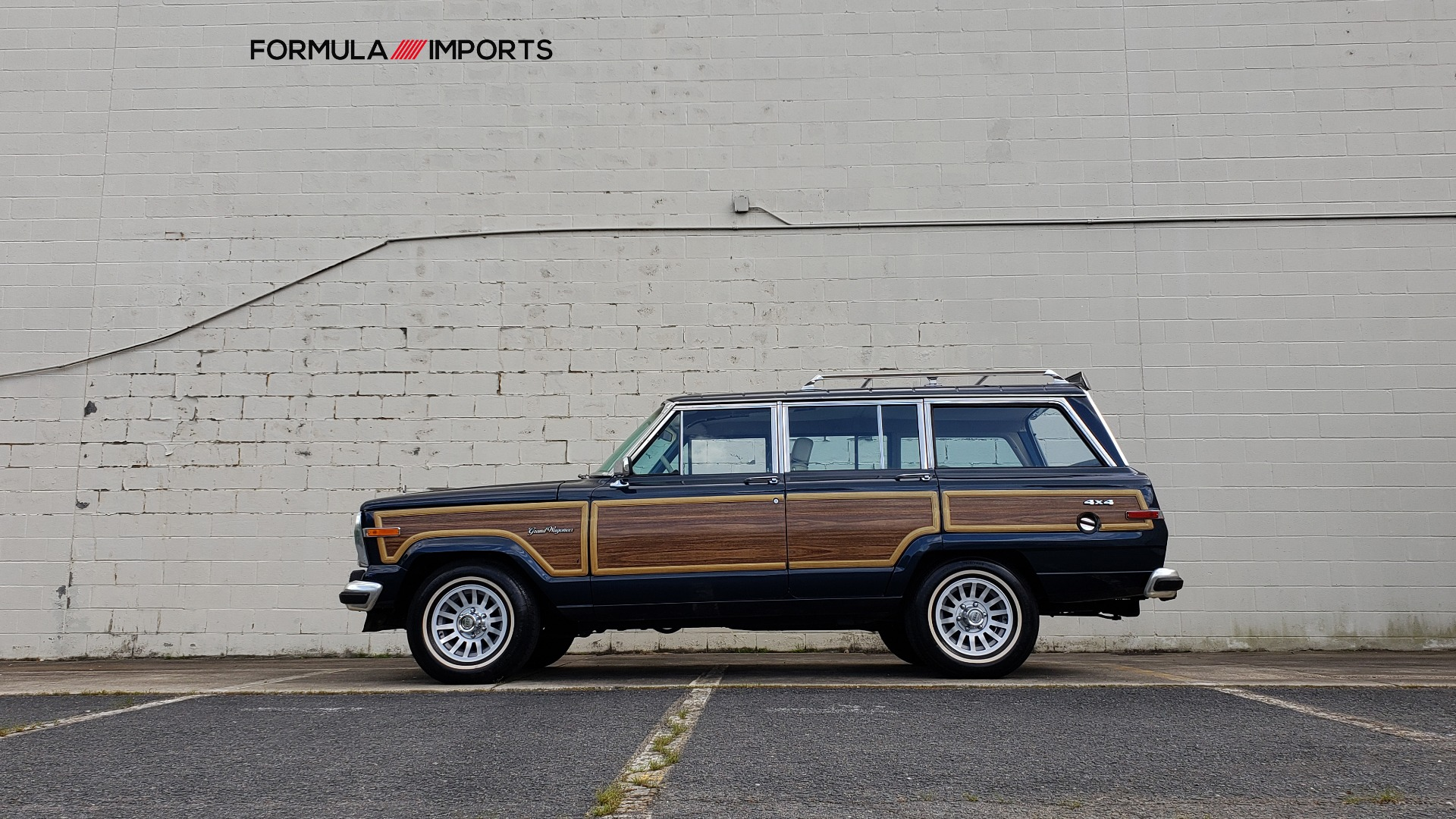 Used 1989 Jeep GRAND WAGONEER 4x4 / 5.9L V8 / 3-SPEED AUTO / PIONEER STEREO for sale Sold at Formula Imports in Charlotte NC 28227 85