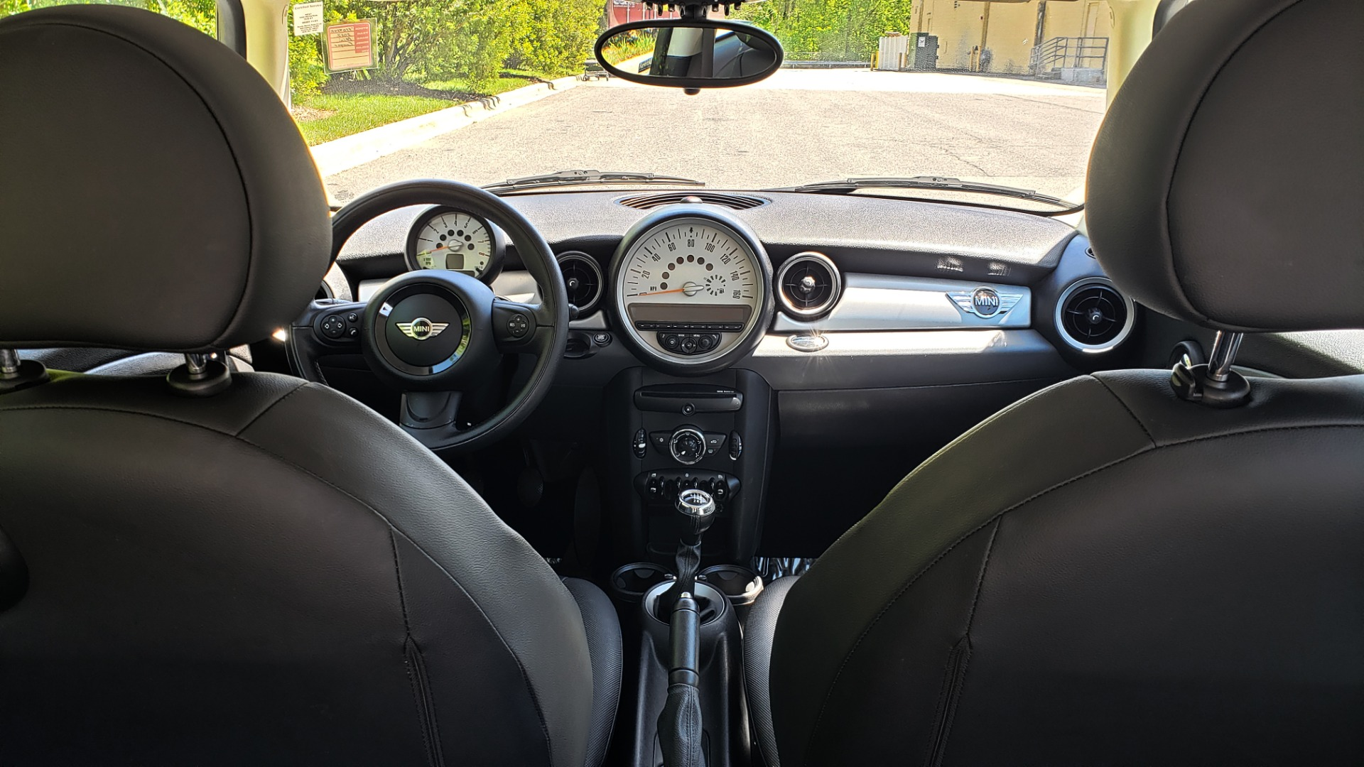 Used 2012 MINI COOPER HARDTOP 6-SPEED MANUAL / VERY CLEAN / 37 MPG for sale Sold at Formula Imports in Charlotte NC 28227 22