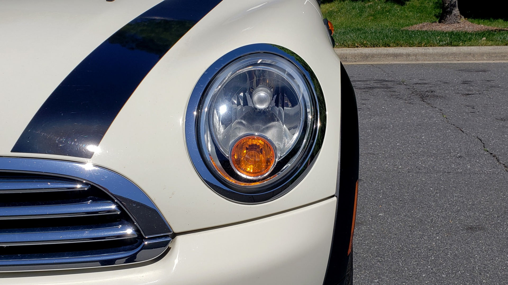 Used 2012 MINI COOPER HARDTOP 6-SPEED MANUAL / VERY CLEAN / 37 MPG for sale Sold at Formula Imports in Charlotte NC 28227 26