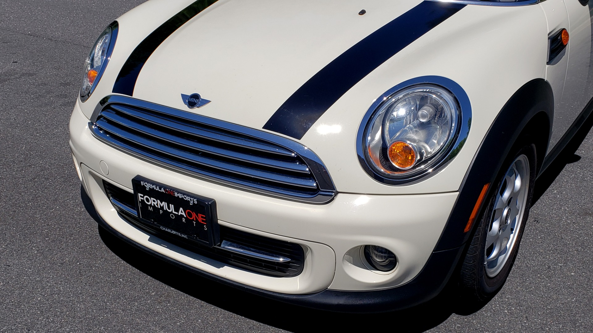 Used 2012 MINI COOPER HARDTOP 6-SPEED MANUAL / VERY CLEAN / 37 MPG for sale Sold at Formula Imports in Charlotte NC 28227 27