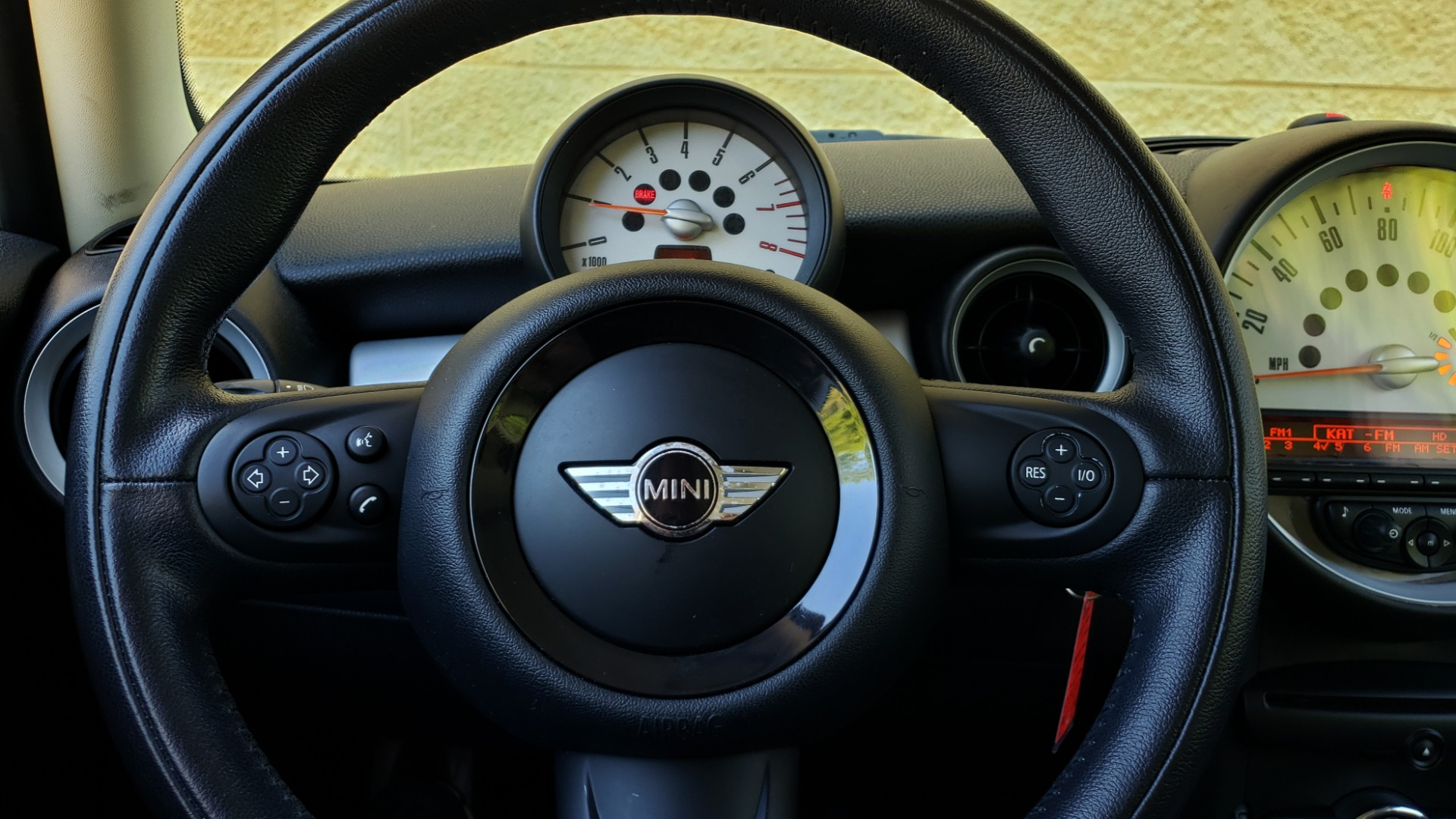 Used 2012 MINI COOPER HARDTOP 6-SPEED MANUAL / VERY CLEAN / 37 MPG for sale Sold at Formula Imports in Charlotte NC 28227 37