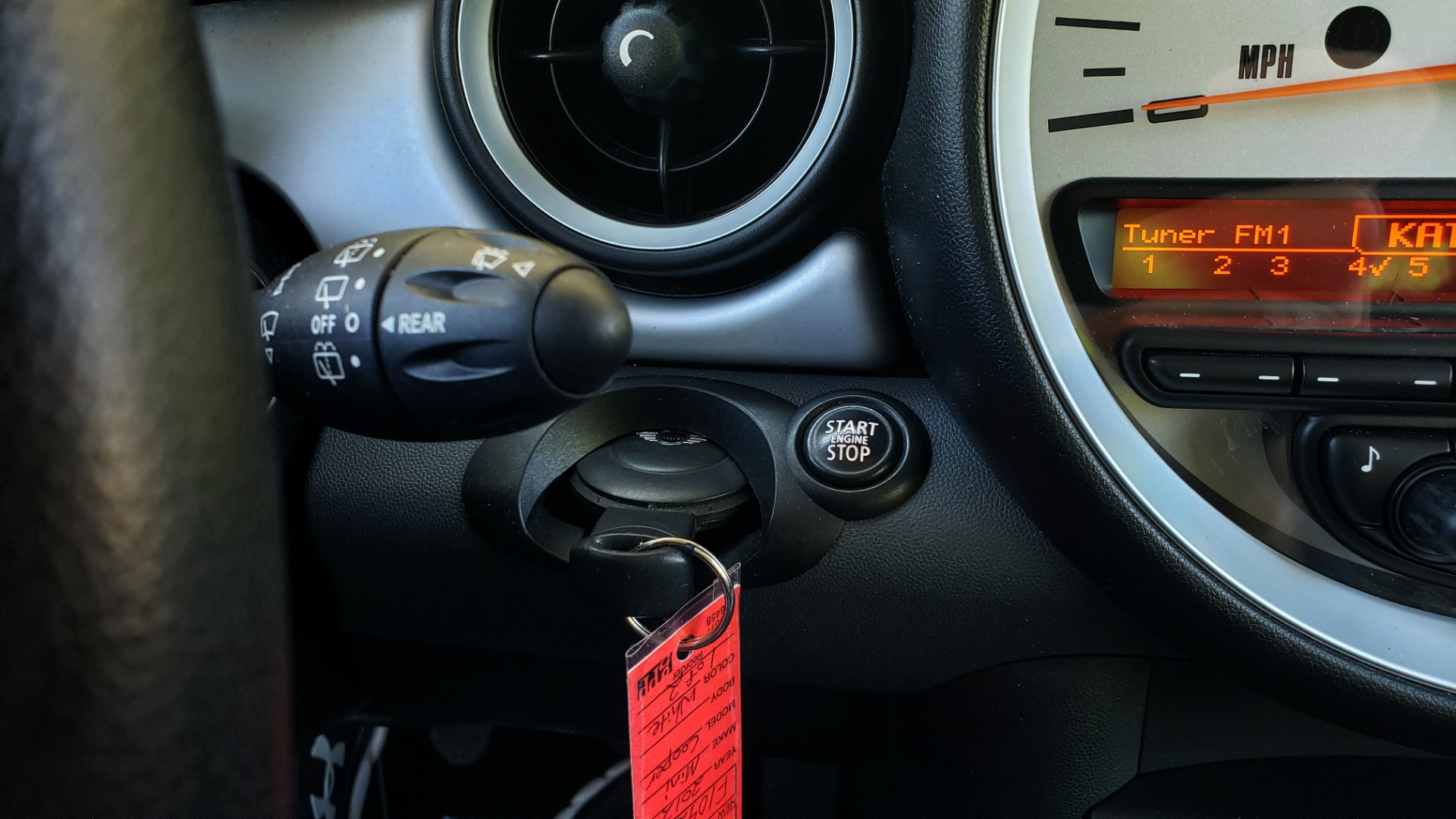 Used 2012 MINI COOPER HARDTOP 6-SPEED MANUAL / VERY CLEAN / 37 MPG for sale Sold at Formula Imports in Charlotte NC 28227 39