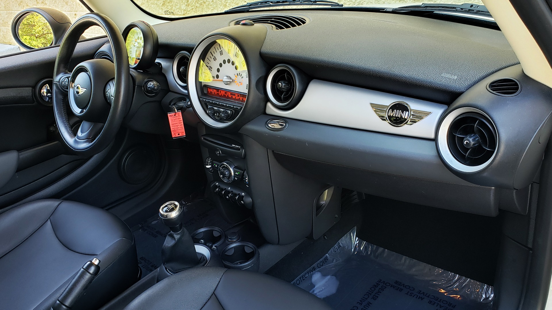 Used 2012 MINI COOPER HARDTOP 6-SPEED MANUAL / VERY CLEAN / 37 MPG for sale Sold at Formula Imports in Charlotte NC 28227 62