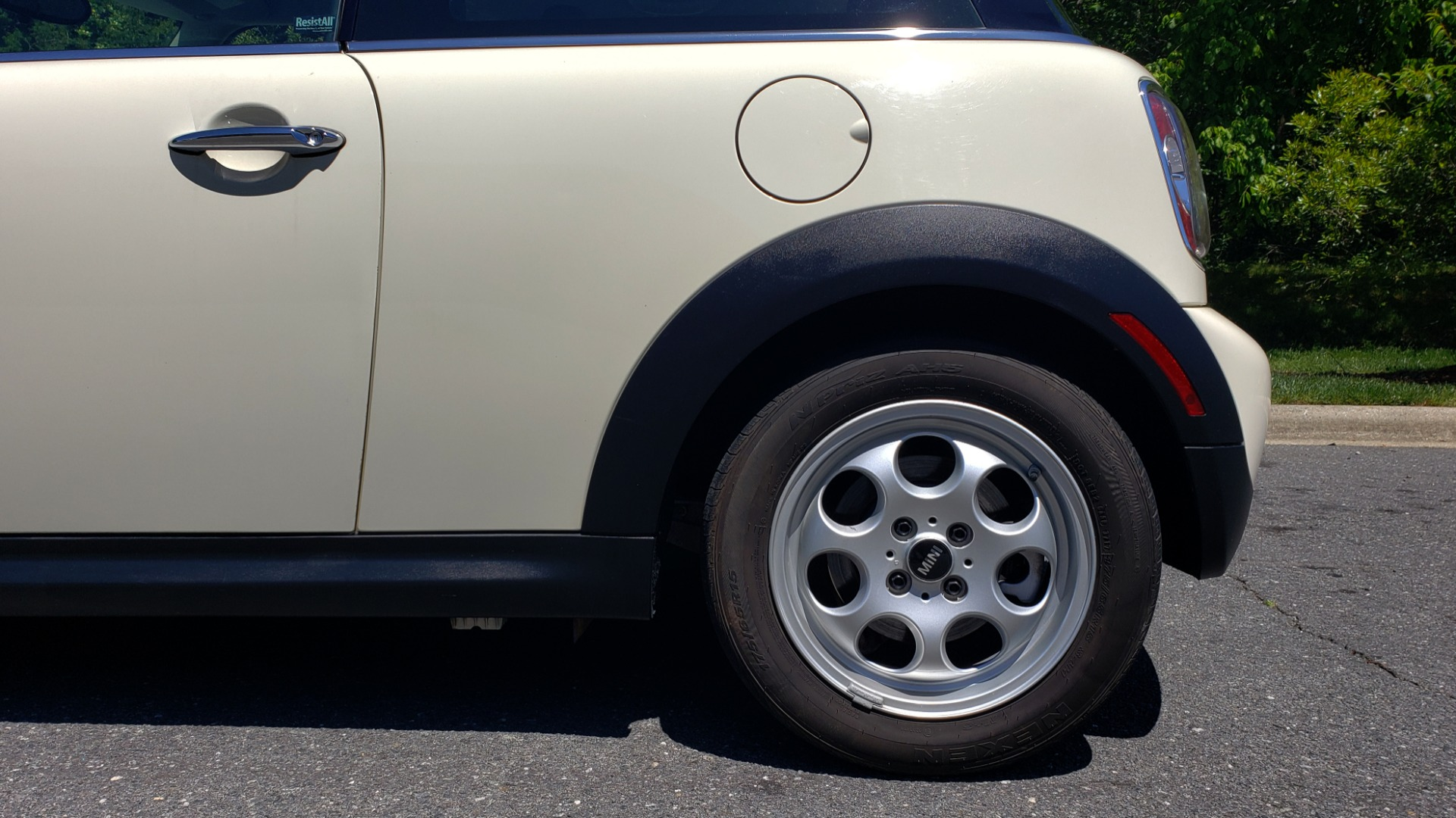 Used 2012 MINI COOPER HARDTOP 6-SPEED MANUAL / VERY CLEAN / 37 MPG for sale Sold at Formula Imports in Charlotte NC 28227 64
