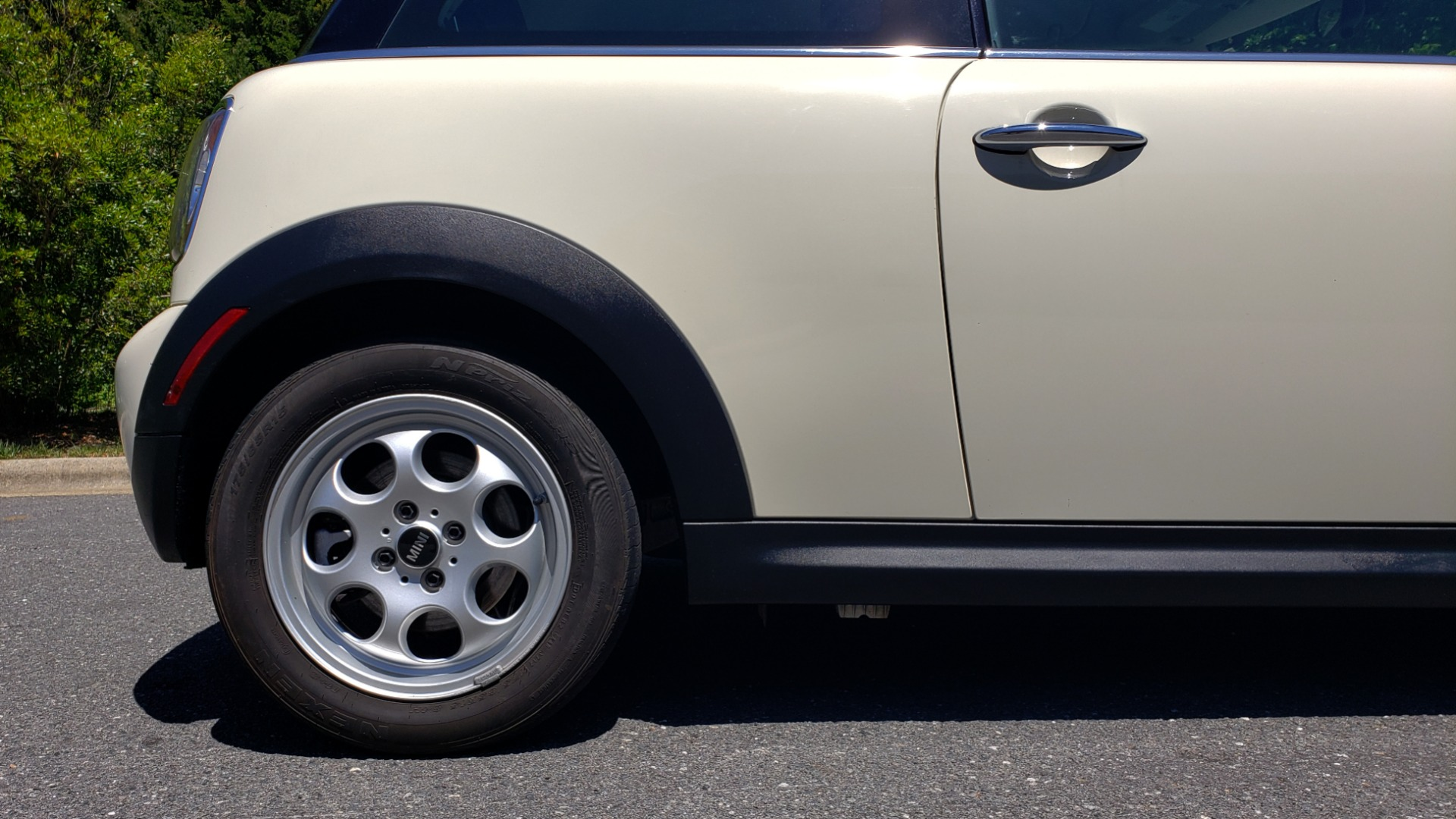 Used 2012 MINI COOPER HARDTOP 6-SPEED MANUAL / VERY CLEAN / 37 MPG for sale Sold at Formula Imports in Charlotte NC 28227 65