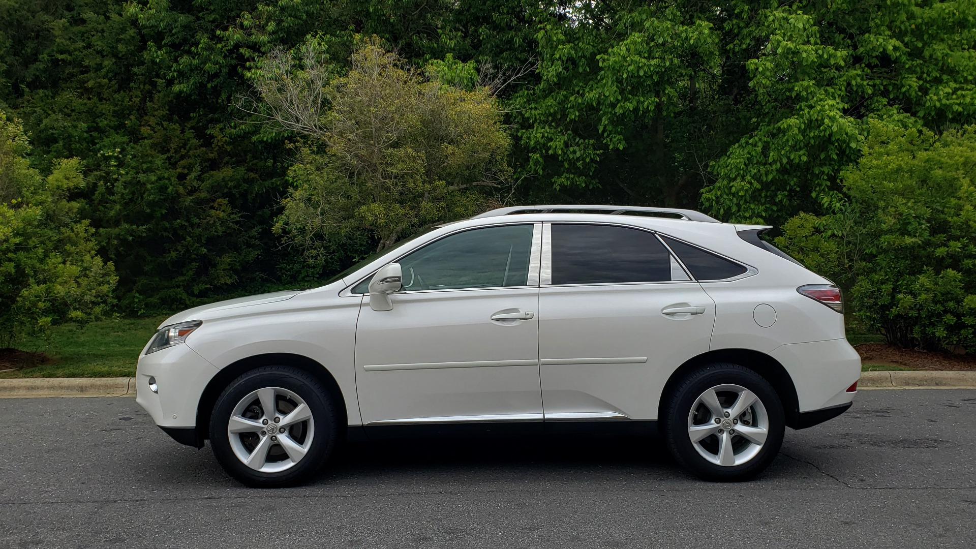 Used 2013 Lexus RX 350 PREMIUM PKG / SUNROOF / BSM / PARK ASST / REARVIEW for sale Sold at Formula Imports in Charlotte NC 28227 2
