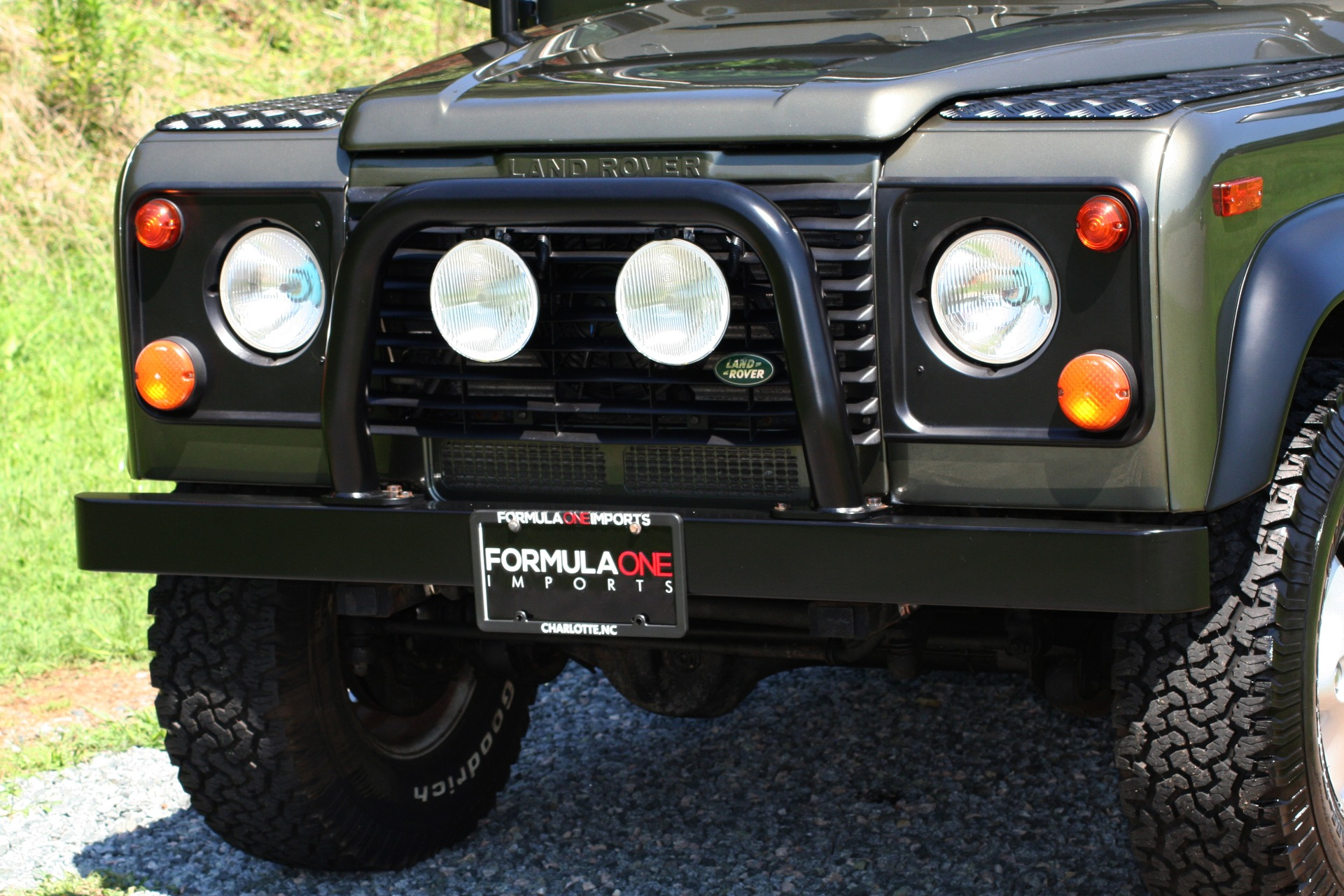 Used 1997 Land Rover DEFENDER 90 LIMITED EDITION / HARD-TOP / 4WD / FULLY RESTORED / LOW MILES for sale $129,999 at Formula Imports in Charlotte NC 28227 16